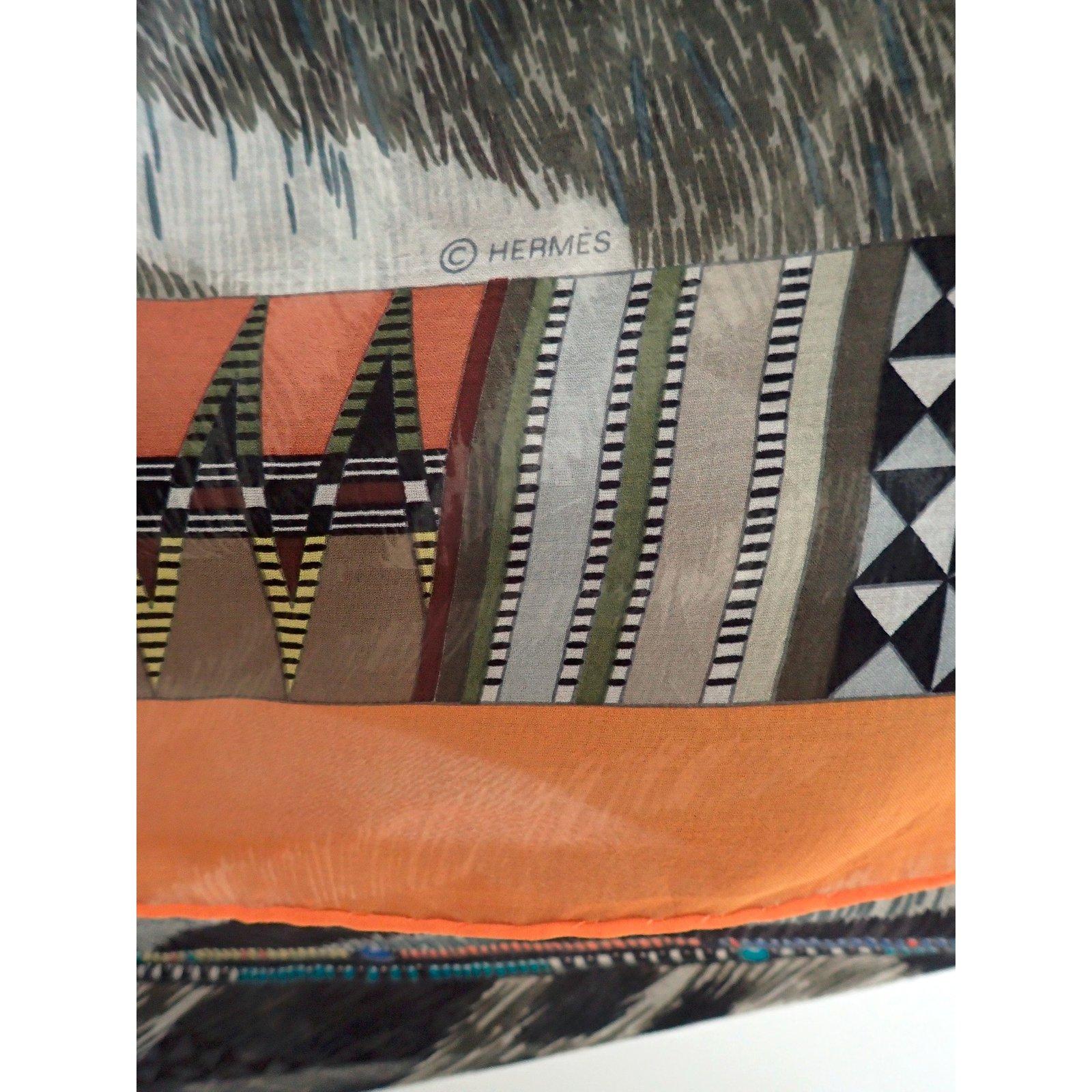 9d51ee784c Foulards Hermès Pelages et Camouflage Soie Marron,Imprimé léopard,Imprimé  Zèbre ref.36917 - Joli Closet