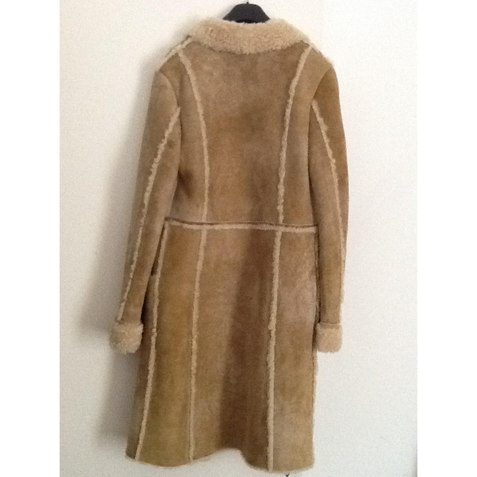 manteaux cerruti 1881 manteau en mouton retourn couleur. Black Bedroom Furniture Sets. Home Design Ideas