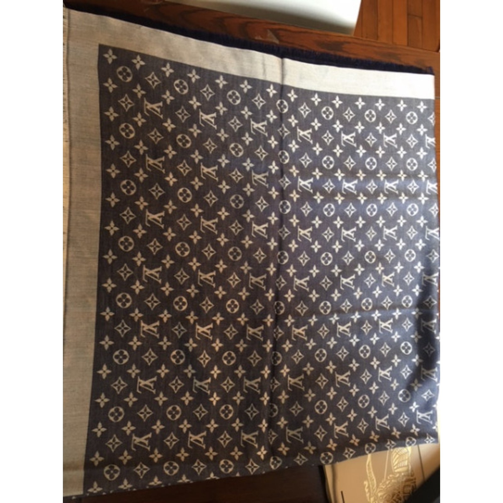 Louis Vuitton Shawl Scarves SilkWool Blue Ref37007