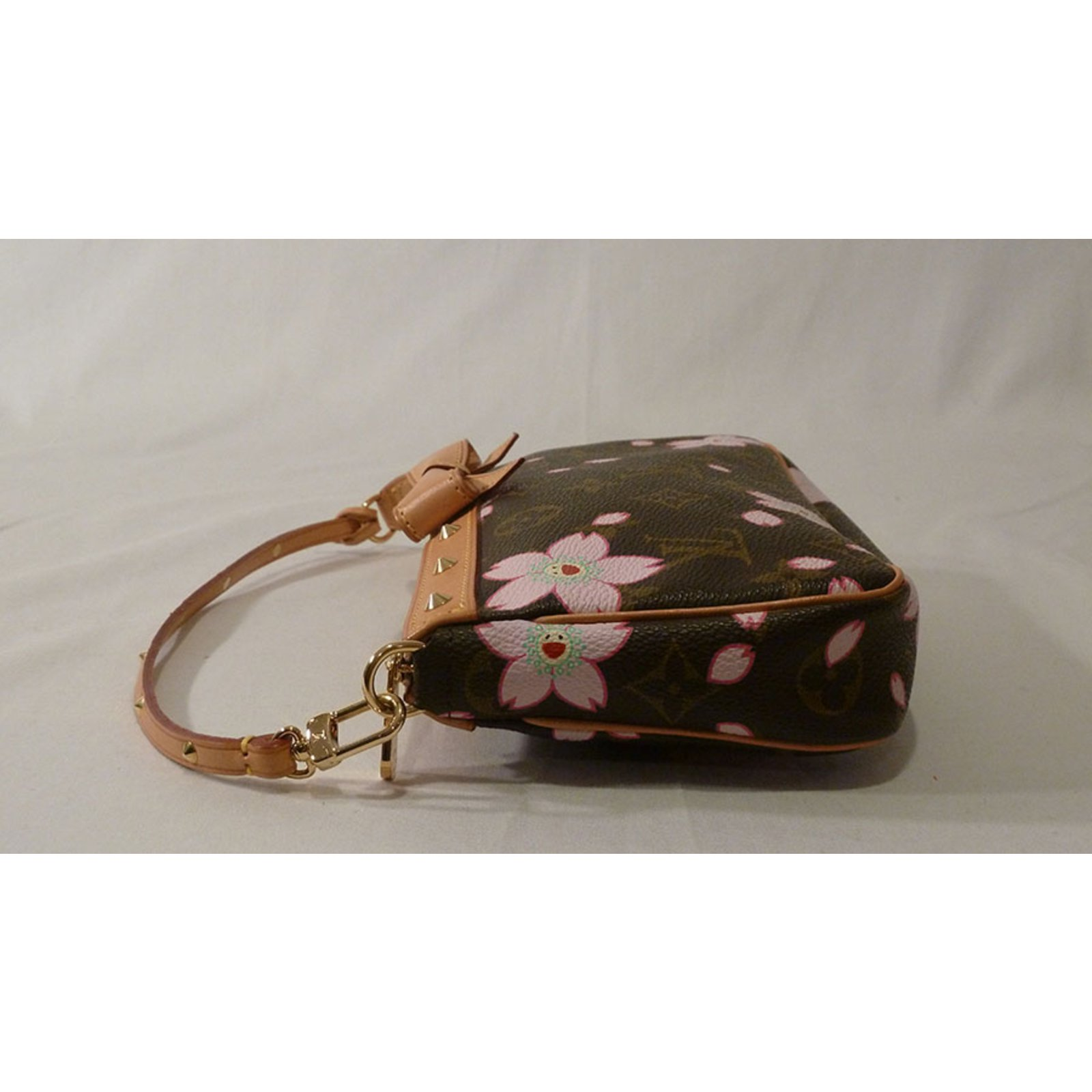 13f54c8113 Louis Vuitton Takashi Murakami Cherry Blossom Monogram Stud Pochette  Shoulder Bag Handbags Other Brown ref.37552 - Joli Closet