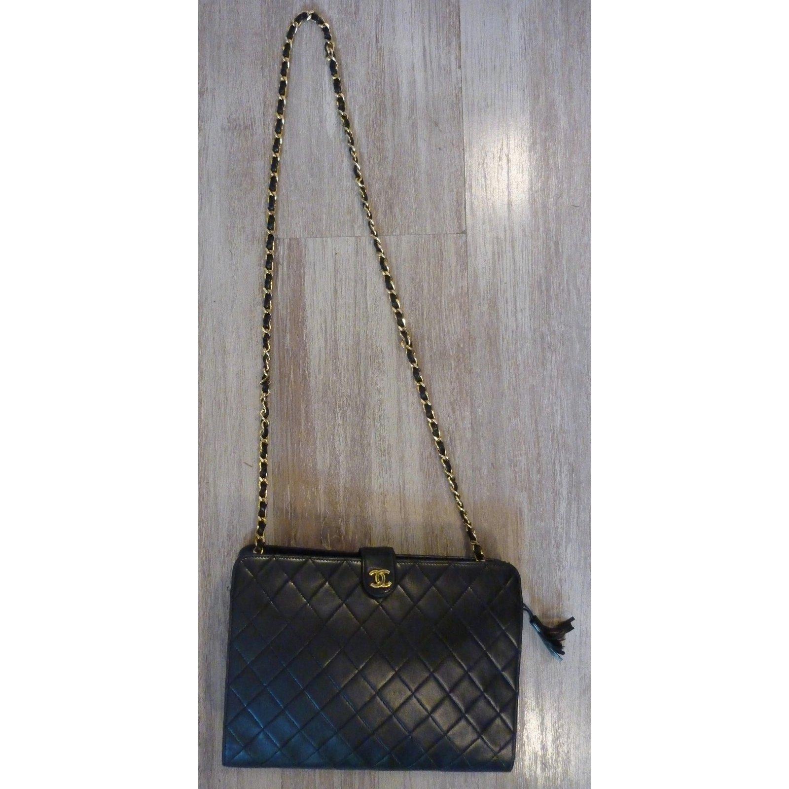 Sacs à main Chanel Superbe Sac Chanel noir vintage à pompon frangé ! Cuir  Noir ref.39349 - Joli Closet 0c5089449bb