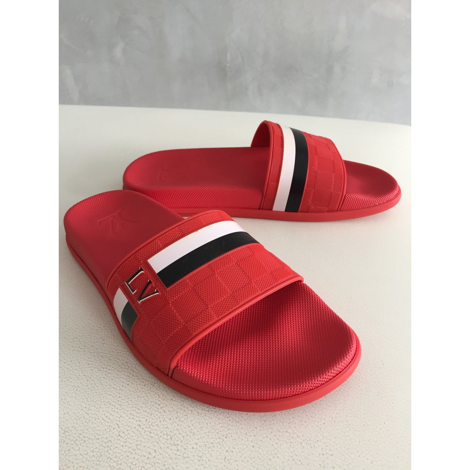c450f9bd3a3b Louis Vuitton Waterfront Men Sandals Rubber Red ref.39549 - Joli Closet