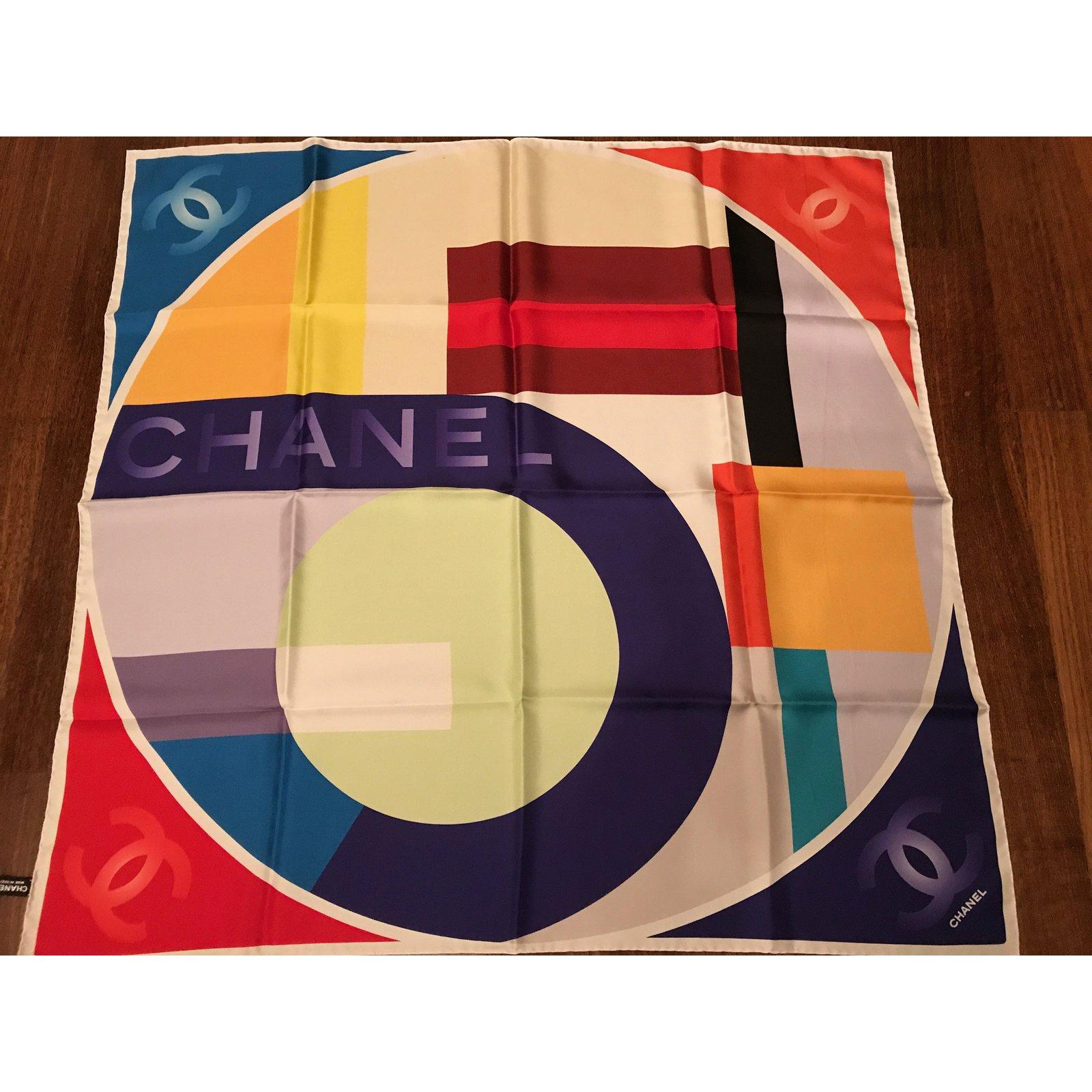 10933d894f3 Foulards Chanel FOULARD CHANEL SOIE Soie Multicolore ref.39609 - Joli Closet