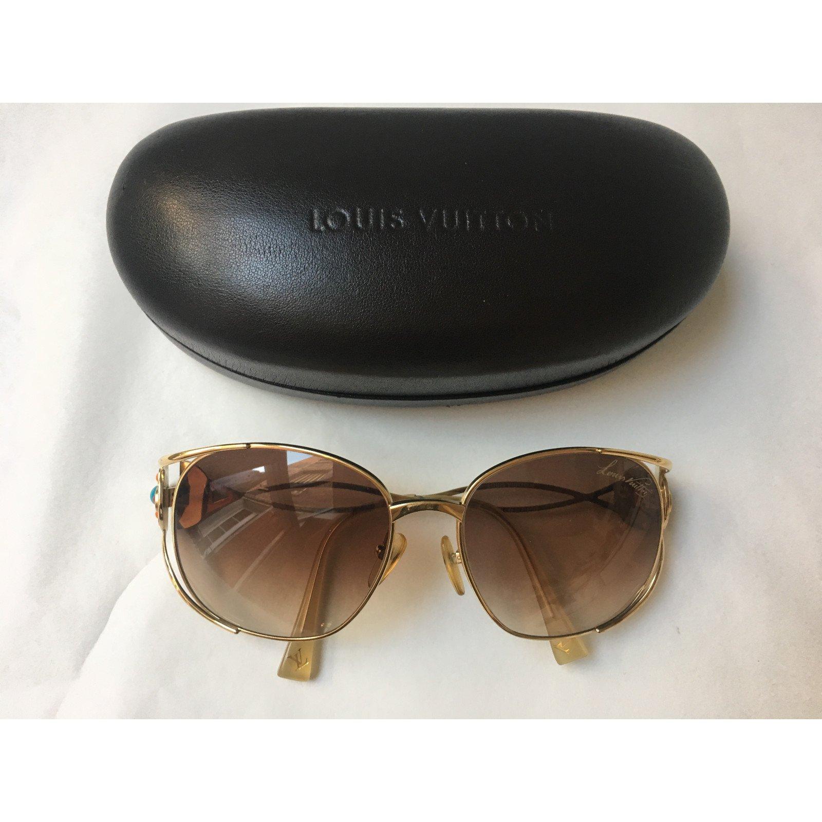 ec22a212ee3 Louis Vuitton Wayfarer Style Sunglasses