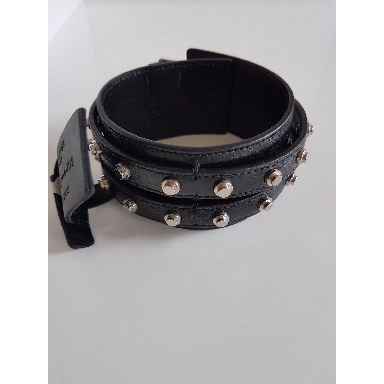 7fa16e6ddb Bracelet
