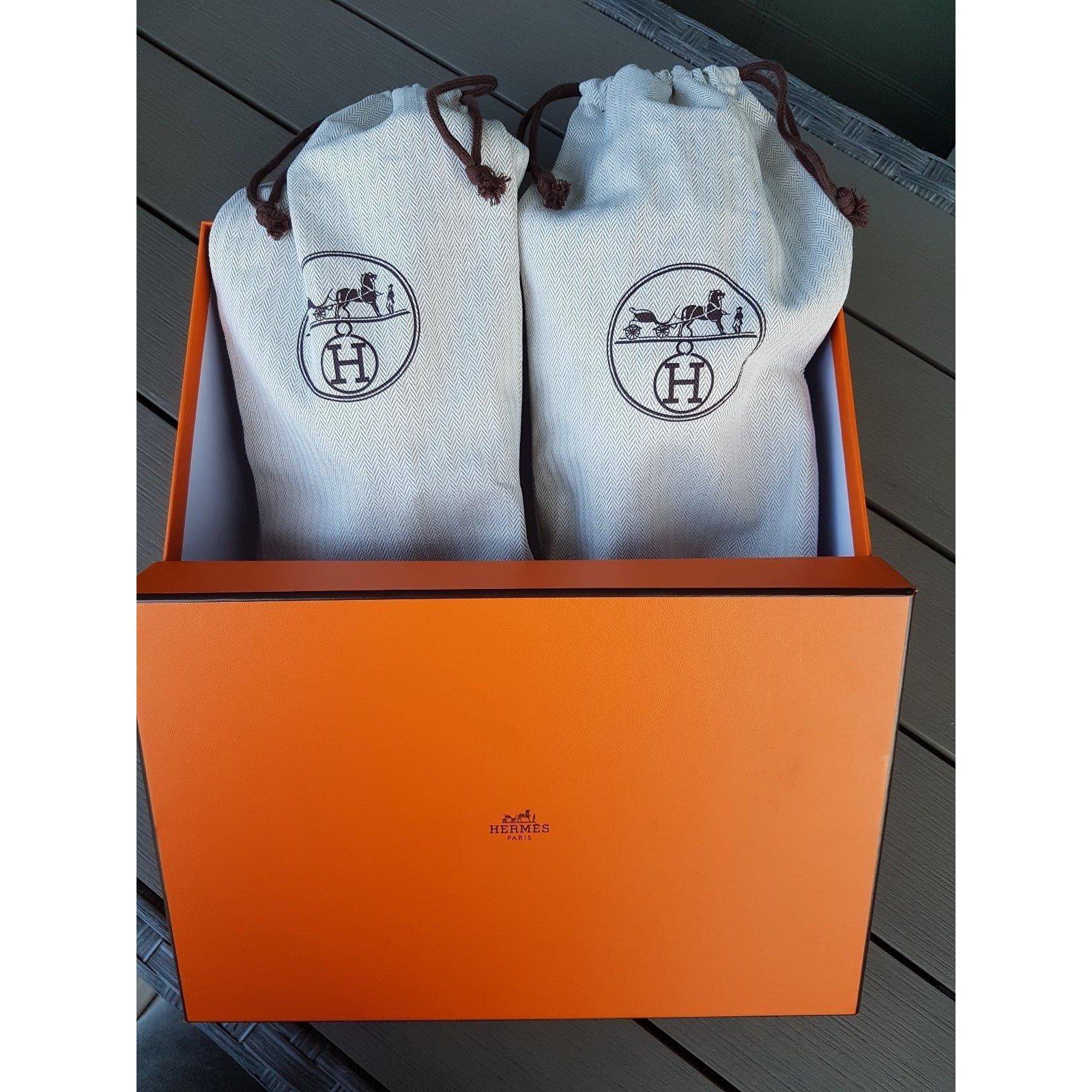 fd28e1518f9e Hermès Oran flat sandals in crocodile Sandals Exotic leather Blue ref.41620  - Joli Closet