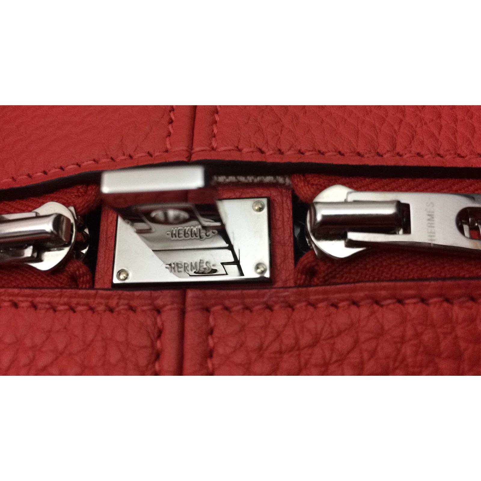 2a0fa50481 Sacs à main Hermès Sac Hermès Victoria II en rouge pivoine, état neuf !  Cuir Rouge ref.41754 - Joli Closet