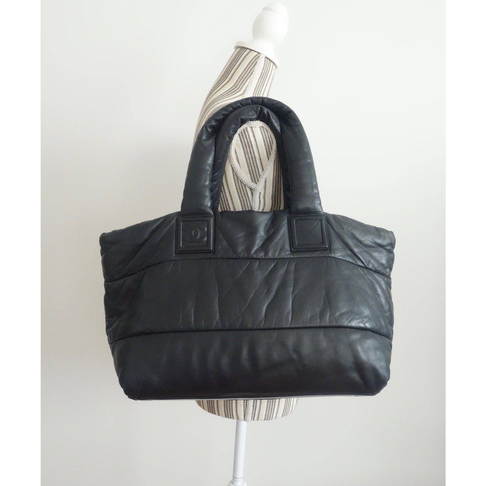 acdd7eccd489 Facebook · Pin This. Chanel Chanel shopping bag Cocoon - large model  Reversible! Handbags Leather Black ...