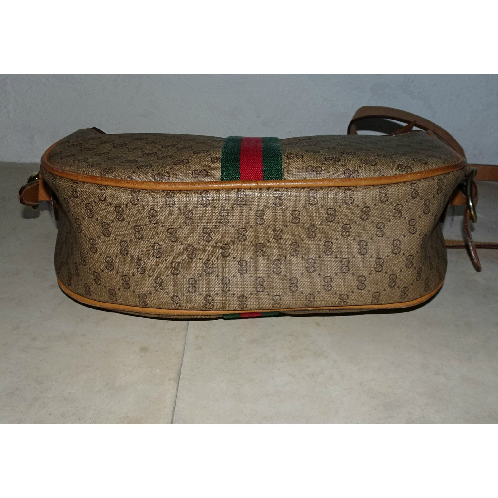 f35d34881238c4 Gucci Shoulder crossbody bag Handbags Leather Brown,Beige ref.43327 - Joli  Closet