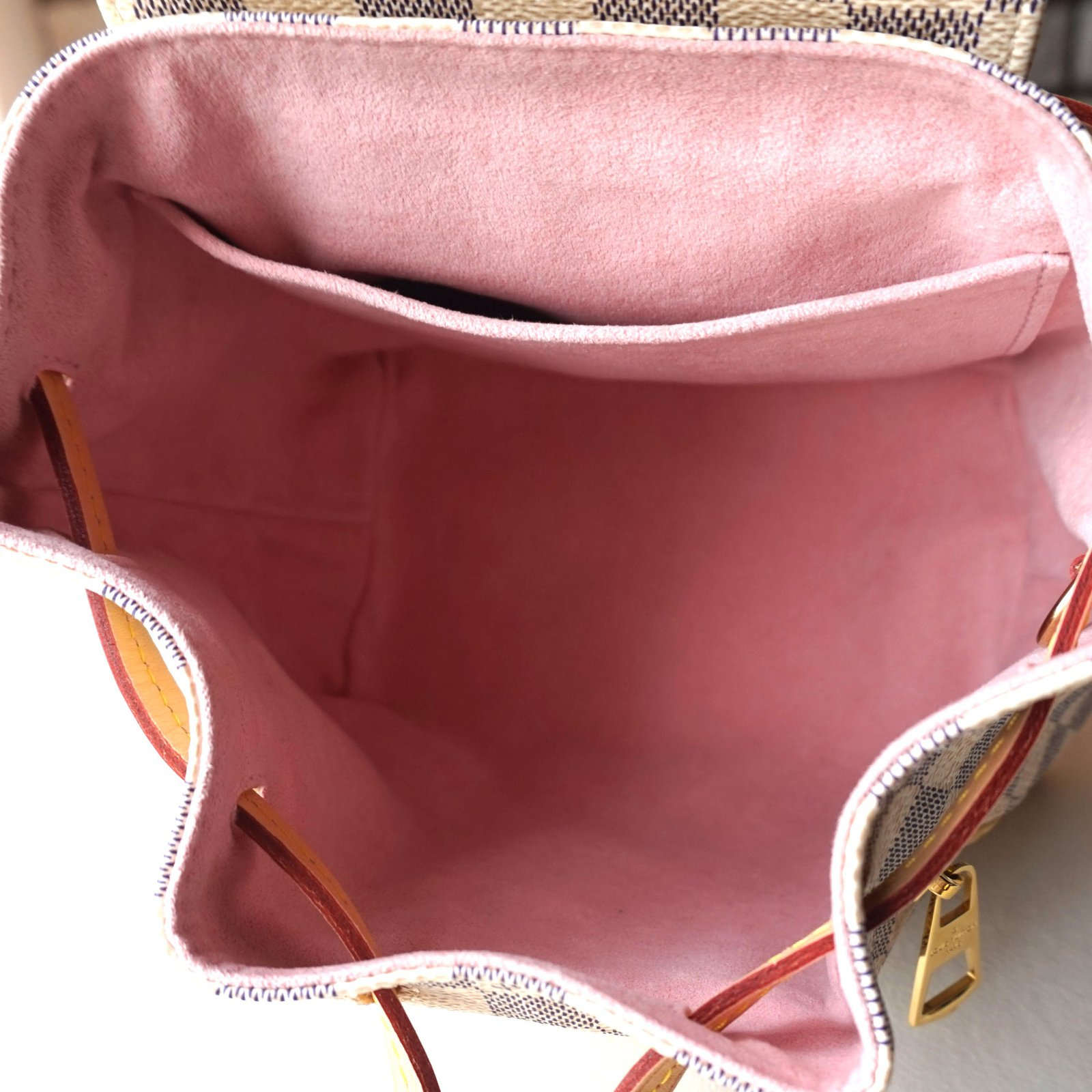 Facebook · Pin This. Louis Vuitton SPERONE BB Backpacks Leather White ref. 43686 6c897b58b9187
