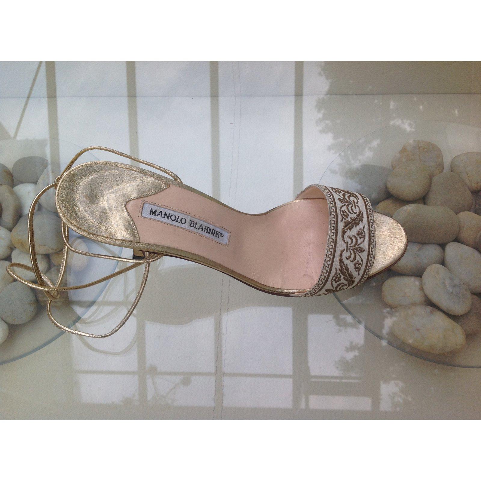 ad39c6d2e Manolo Blahnik Sandals Sandals Cloth Golden ref.45309 - Joli Closet