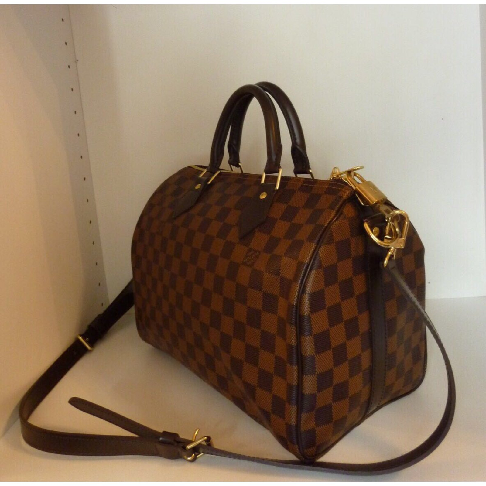 9bedb1ffcfb Sacs à main Louis Vuitton Superbe Sac Louis Vuitton Speedy 30 à bandoulière  à damier ébène ! Cuir
