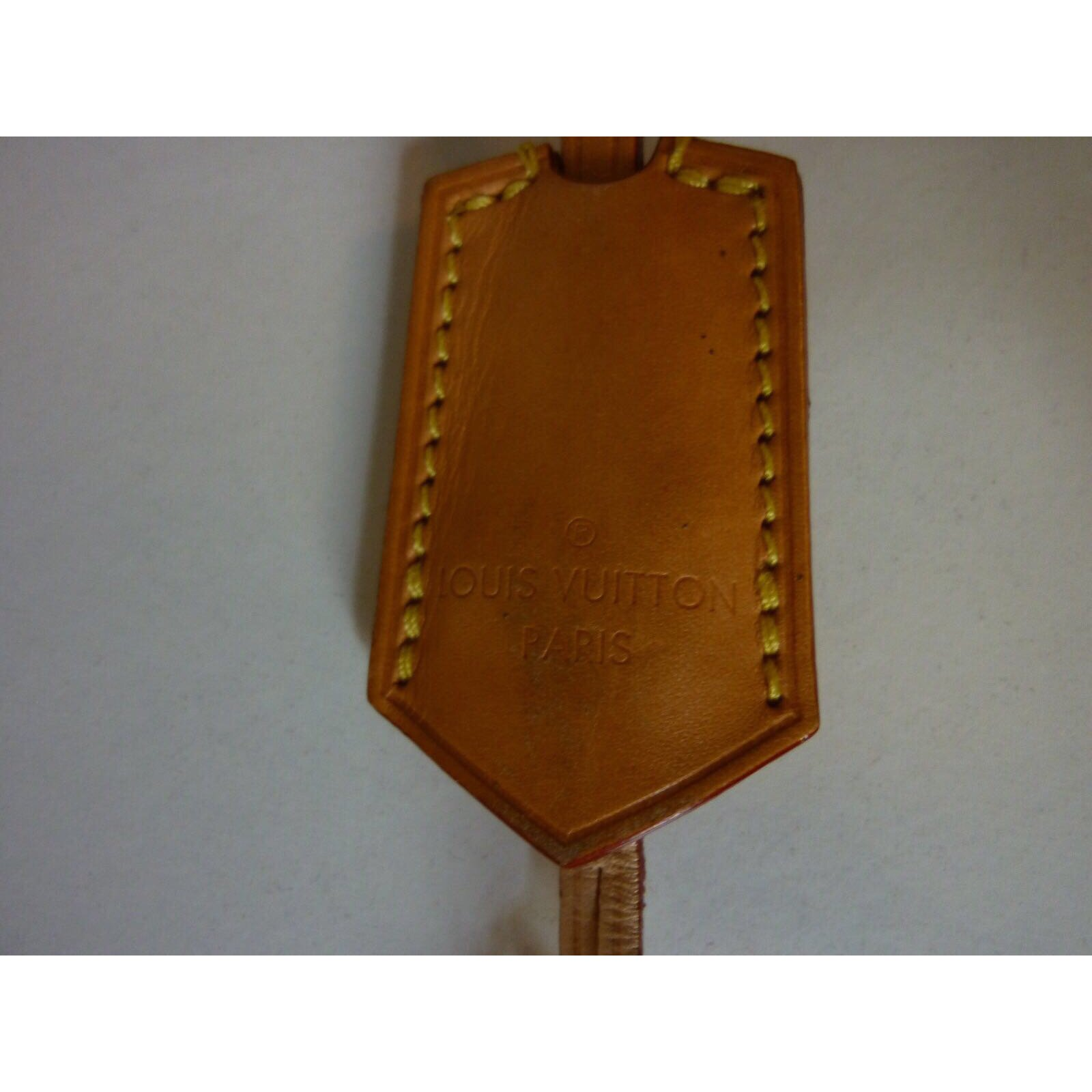 Sacs main louis vuitton sac deauville s rie ultra limit e en tuffetage cuir marron rouge ref - Teinter du cuir ...
