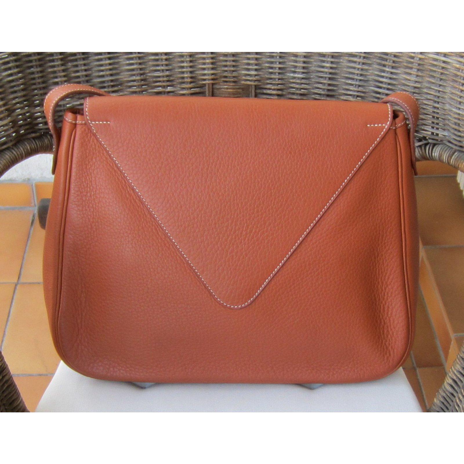 03d0e0bad017 Hermès Christine 35 cm Handbags Leather Red ref.46781 - Joli Closet