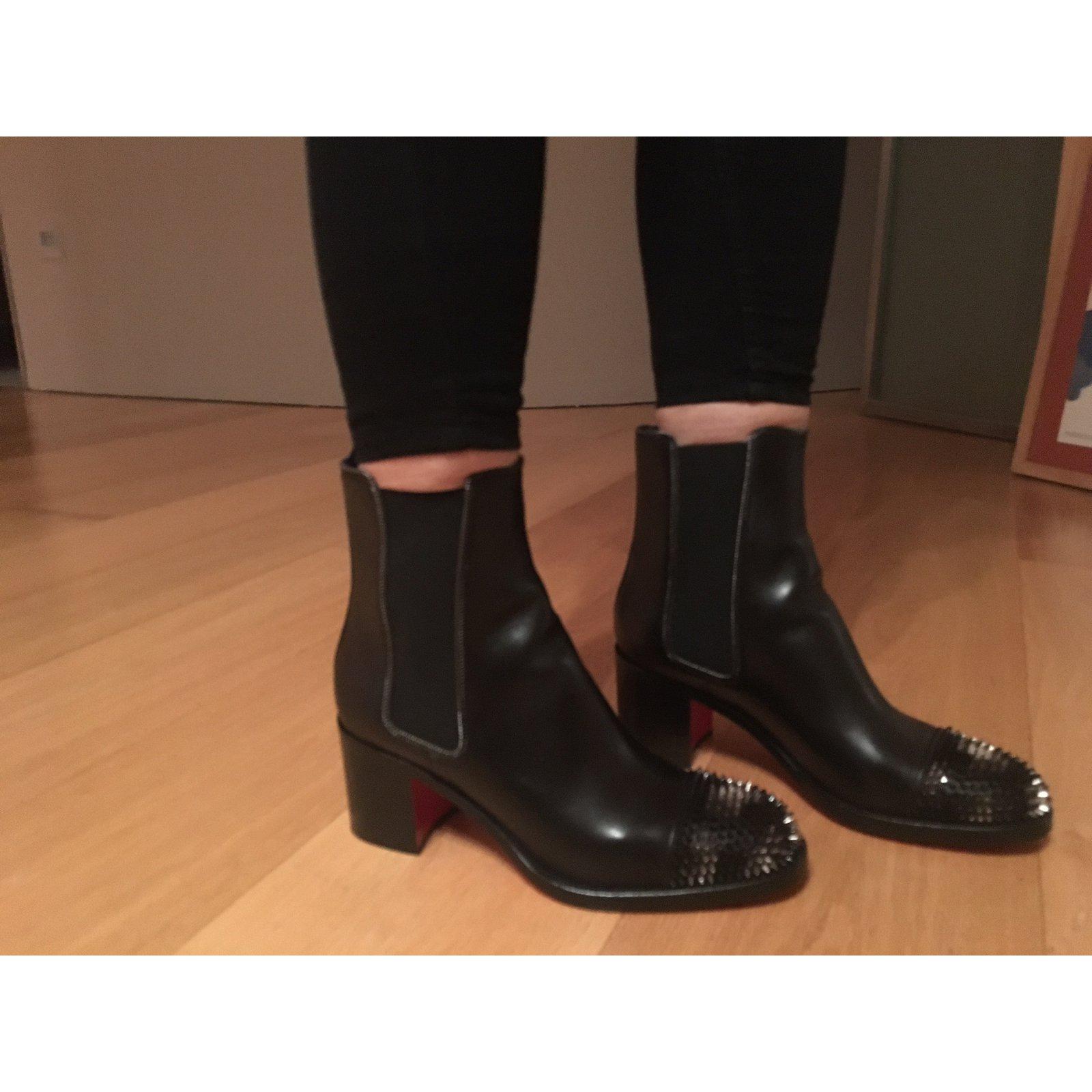 c1b2ca0a7e26 Christian Louboutin otaboo Ankle Boots Leather Black ref.47077 - Joli Closet