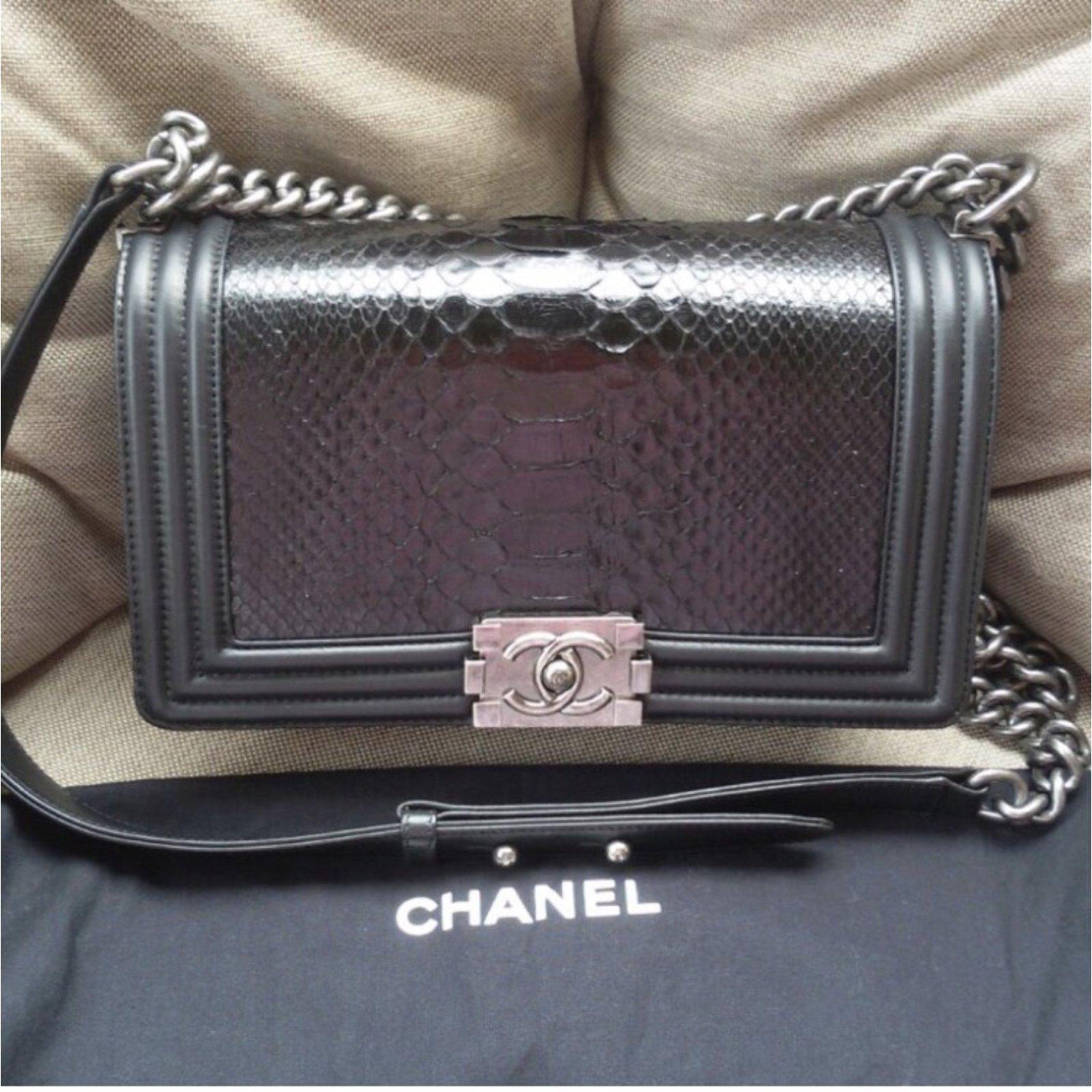 afd209bcb4ca2f Chanel Boy pyhton Handbags Exotic leather Black ref.49170 - Joli Closet
