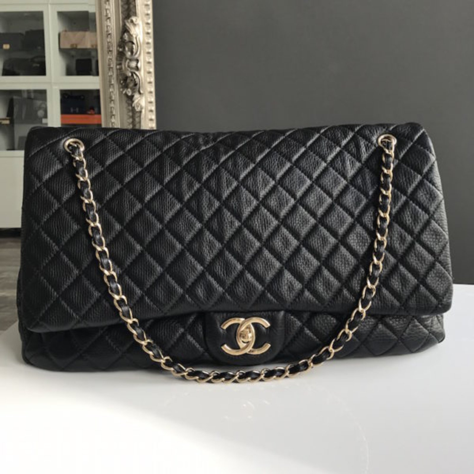 442c9a16e4d3 Chanel Chanel Timeless XXL Travel bag Leather Black ref.49262 - Joli Closet
