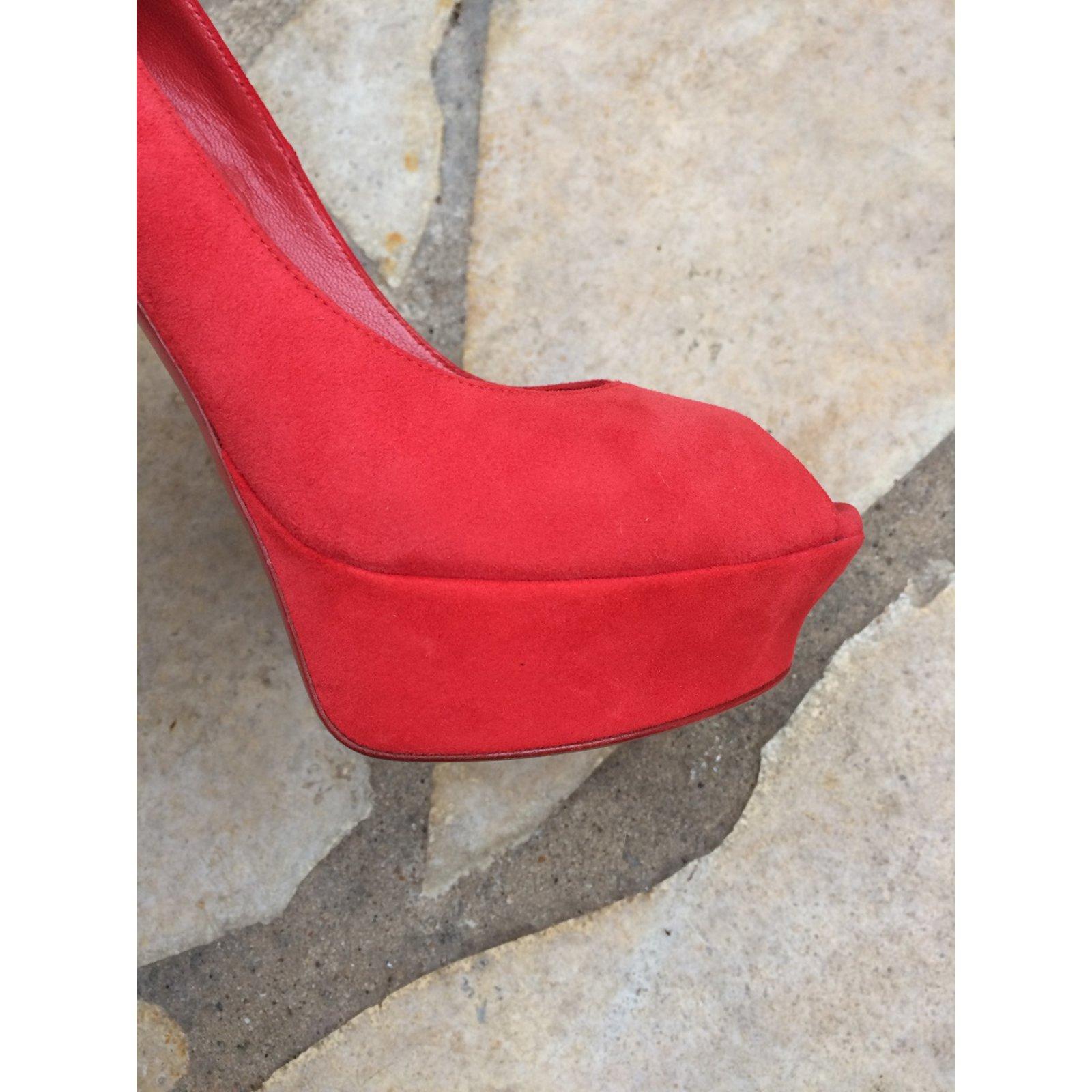 08154f8e81f0c Yves Saint Laurent Heels Heels Leather Red ref.49702 - Joli Closet