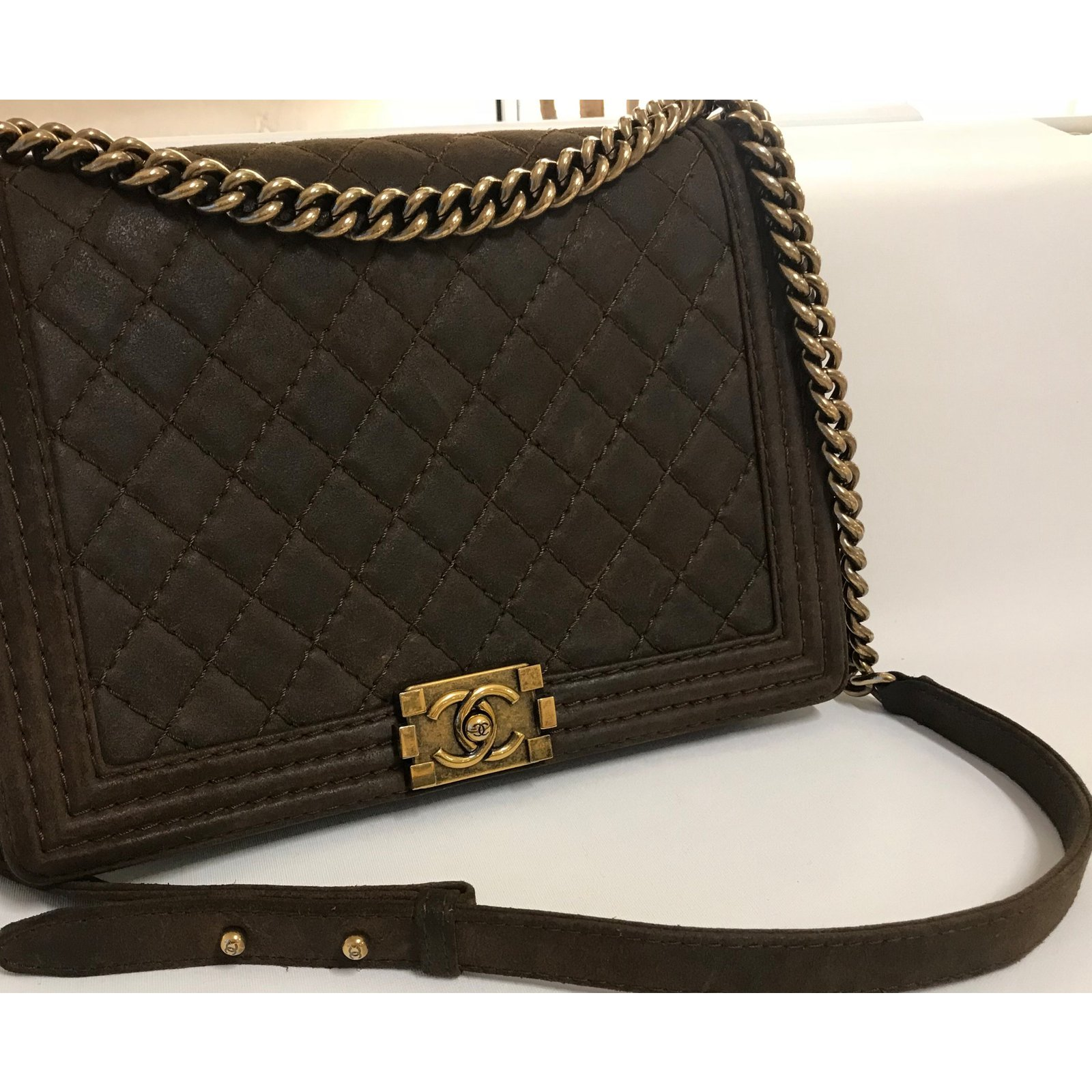 efd2fc2f4e93 Chanel Distressed brown Chanel Boy Large Bag from Pre-Fall 2013 Collection  Paris-Edimbourg Metiers D'art Handbags Leather Brown ref.50653 - Joli Closet
