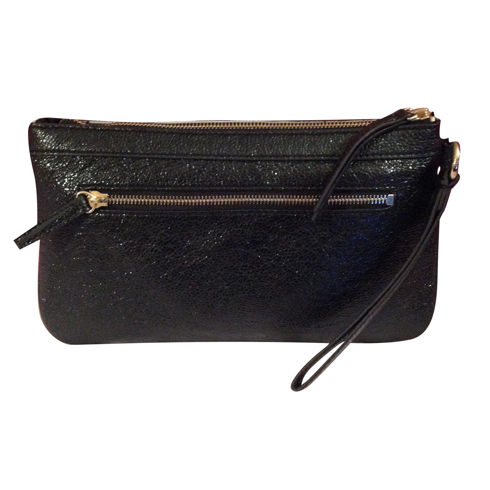 b5a64f9234 Guess Clutch Bags Leather Black Ref 51312 Joli Closet