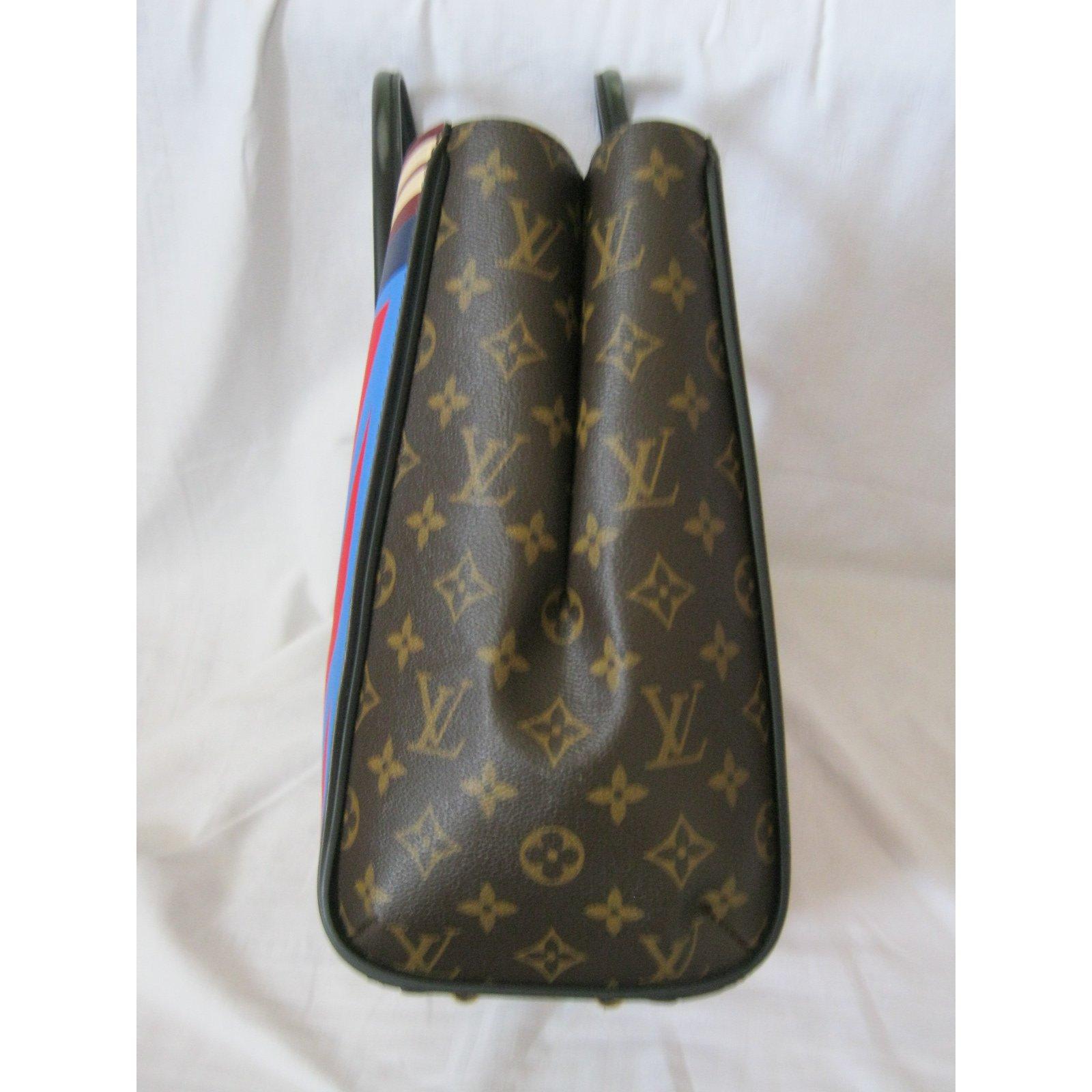 6fb3bfc8dc9a Louis Vuitton Limited Edition Kimono Tote Handbags Leather Brown ref.51382  - Joli Closet