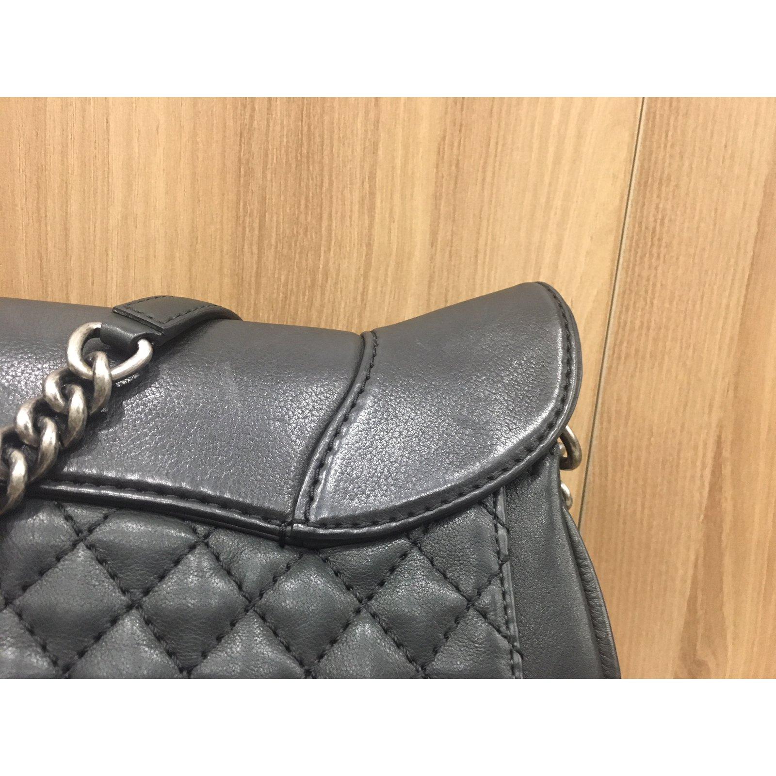 sacs main chanel large cowboy style chanel bag cuir noir joli closet. Black Bedroom Furniture Sets. Home Design Ideas