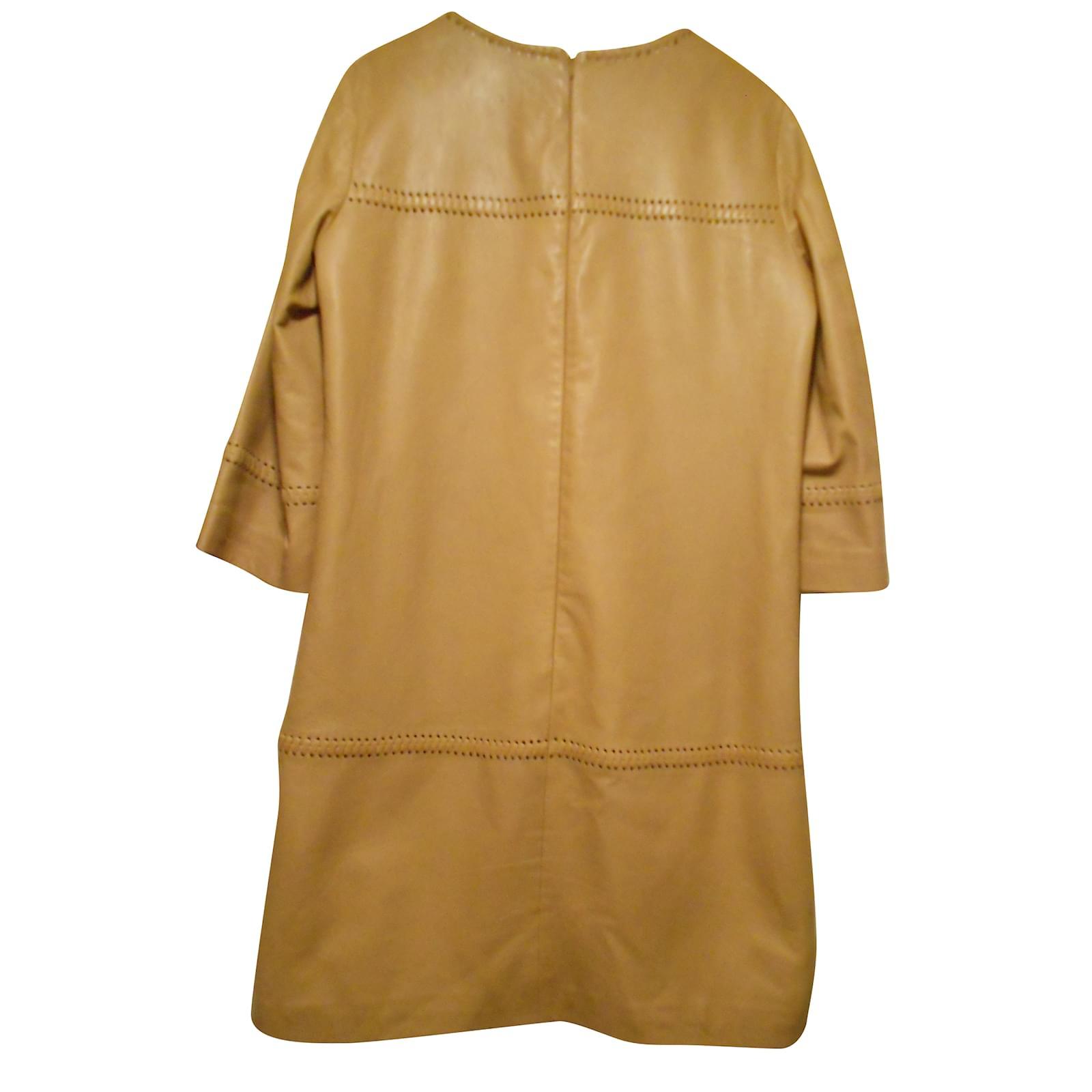 50a06076f23 Robes CAROLL robe 100% peau beige clair laçages manches poitrine et bas Cuir  Beige ref.55100 - Joli Closet