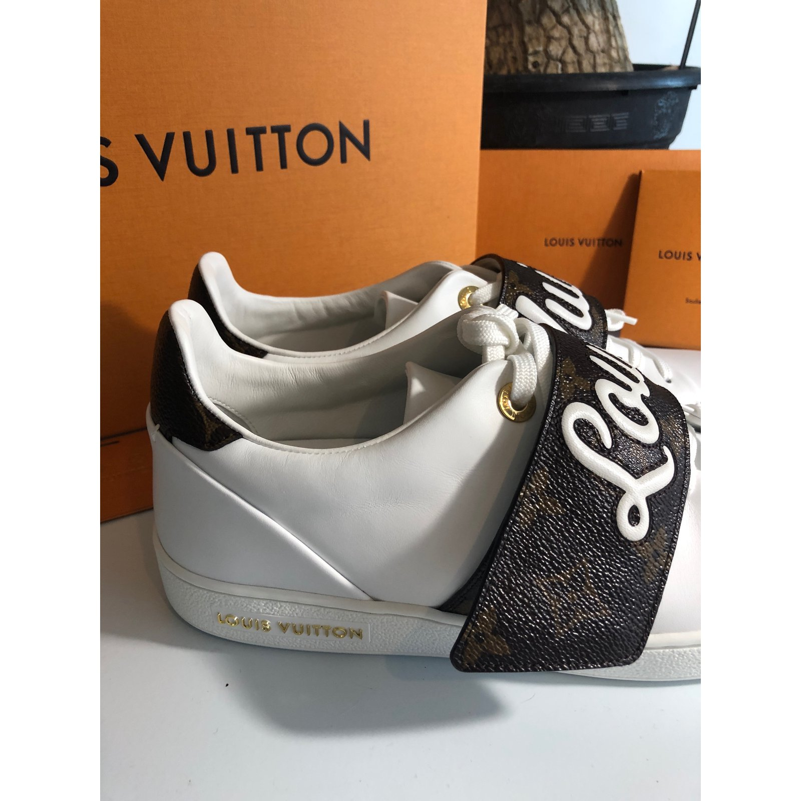 Louis Vuitton Sneakers Frontrown 2018 Sneakers Leather White ref.55726 -  Joli Closet ec13fa2d6bf
