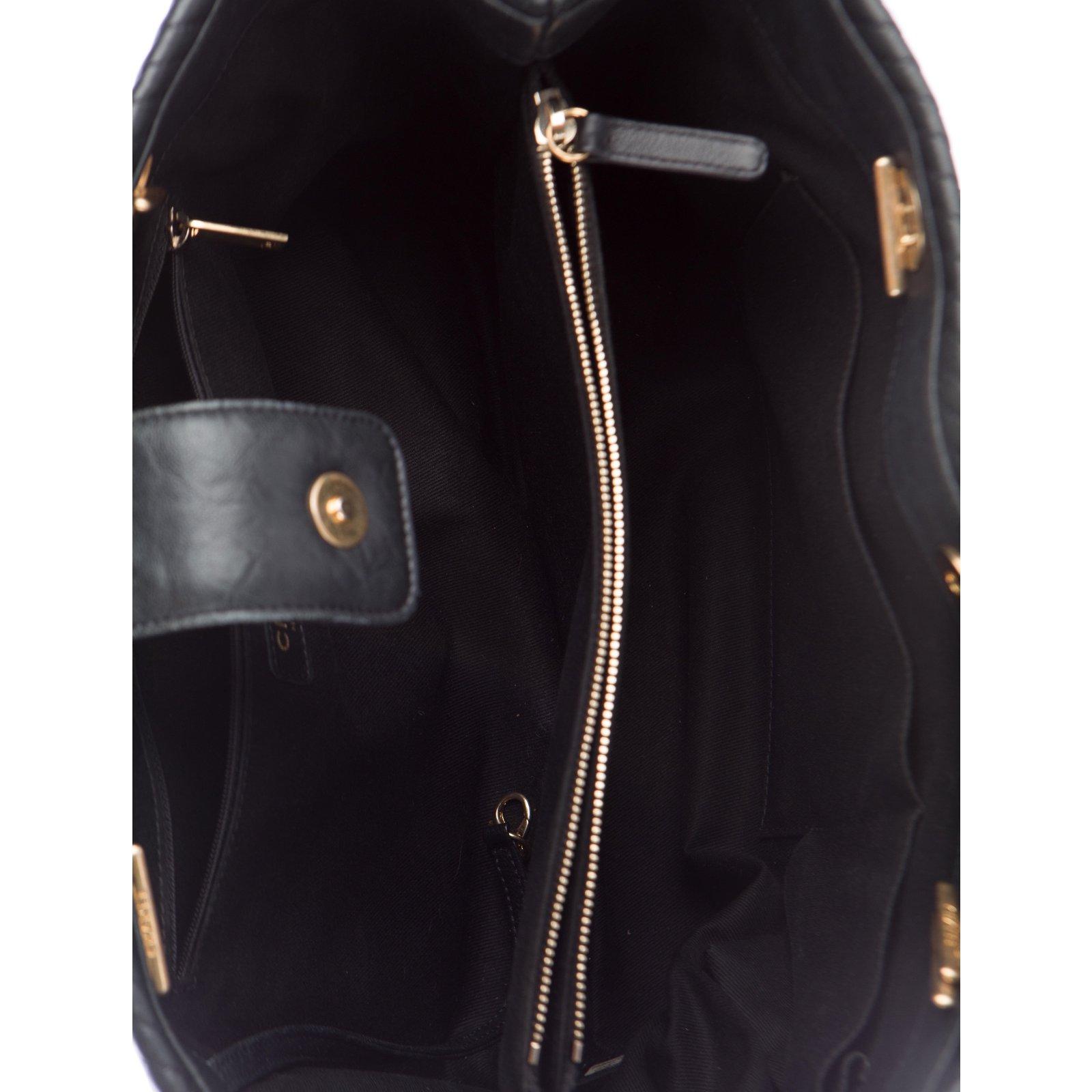 Chanel Chanel Chevron tote Handbags Leather Black ref.55851 - Joli Closet f512c9baaa