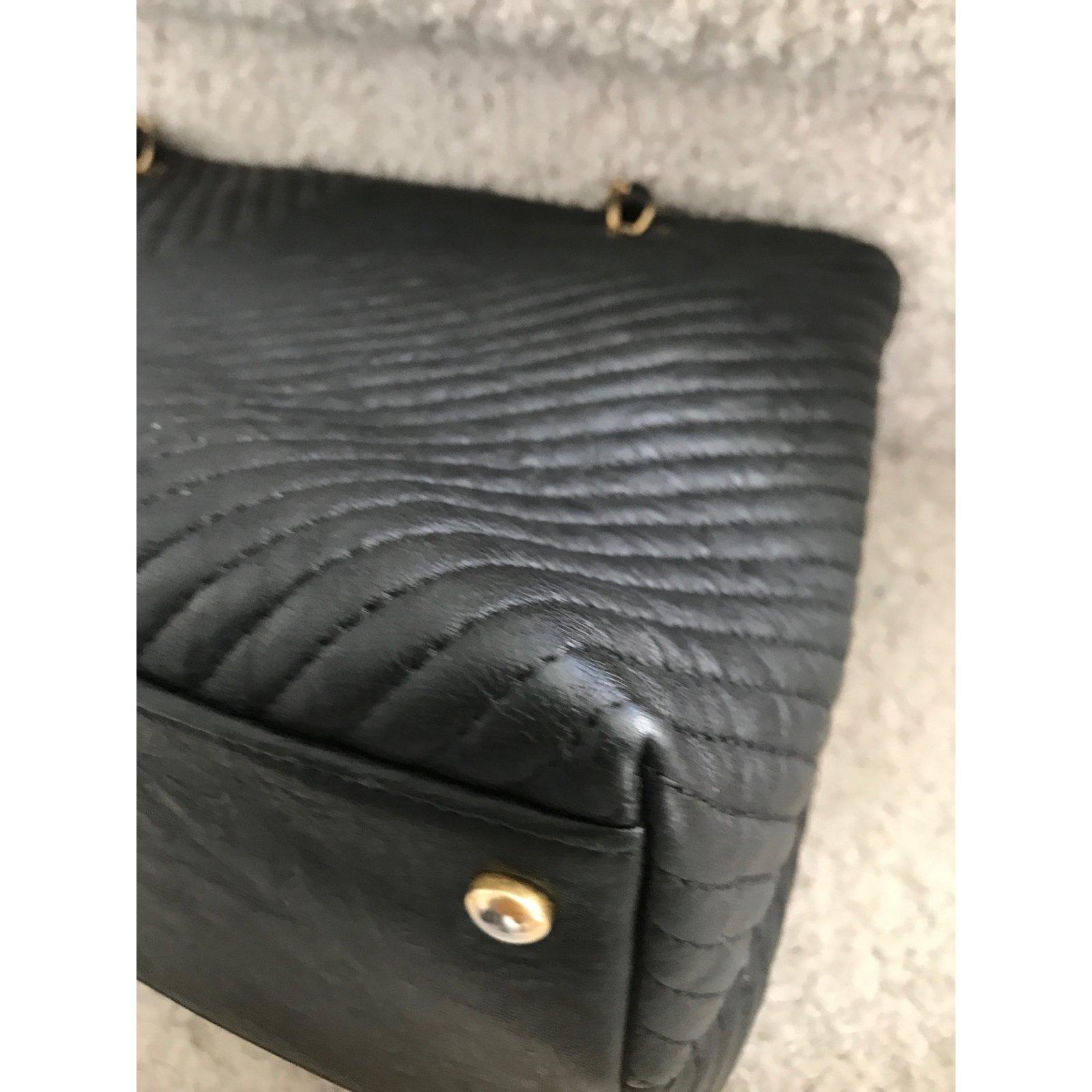 Sacs à main Chanel Chevron Cuir Noir ref.55851 - Joli Closet 650703931d