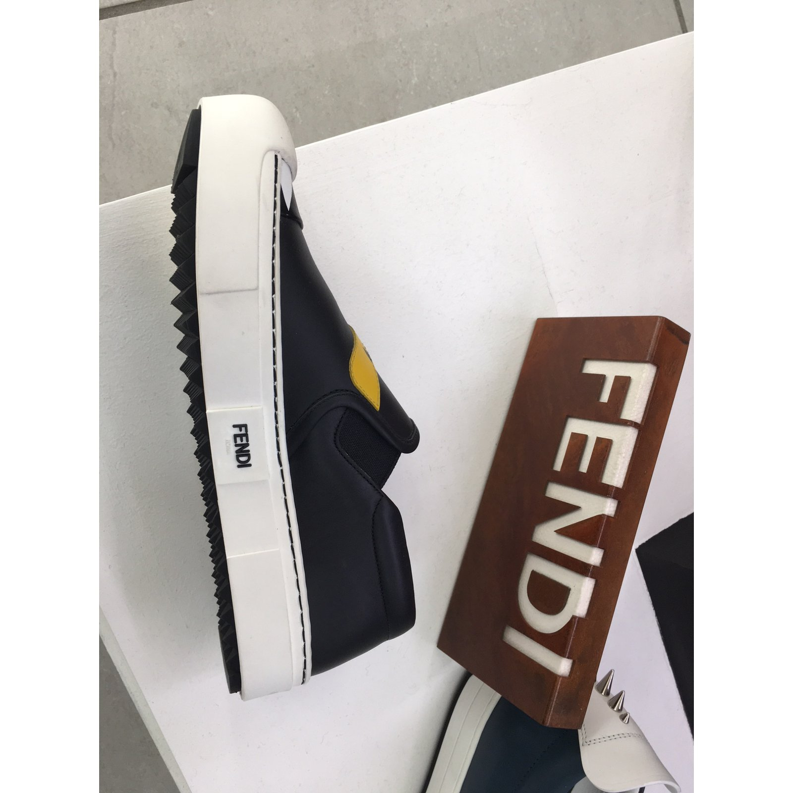 d42022cb6d9 Fendi Fendi shoes new more size Flats Leather Multiple colors ref.56011 -  Joli Closet