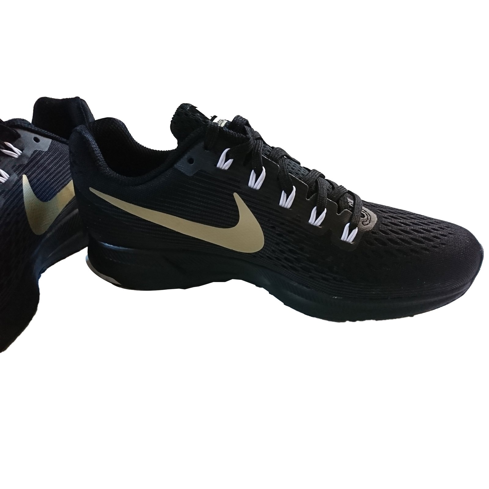 on sale ce02f 61a8a Baskets Nike NIKE AIR ZOOM PEGASUS 34 MEDAL PACK Autre Noir ref.56034 -  Joli Closet