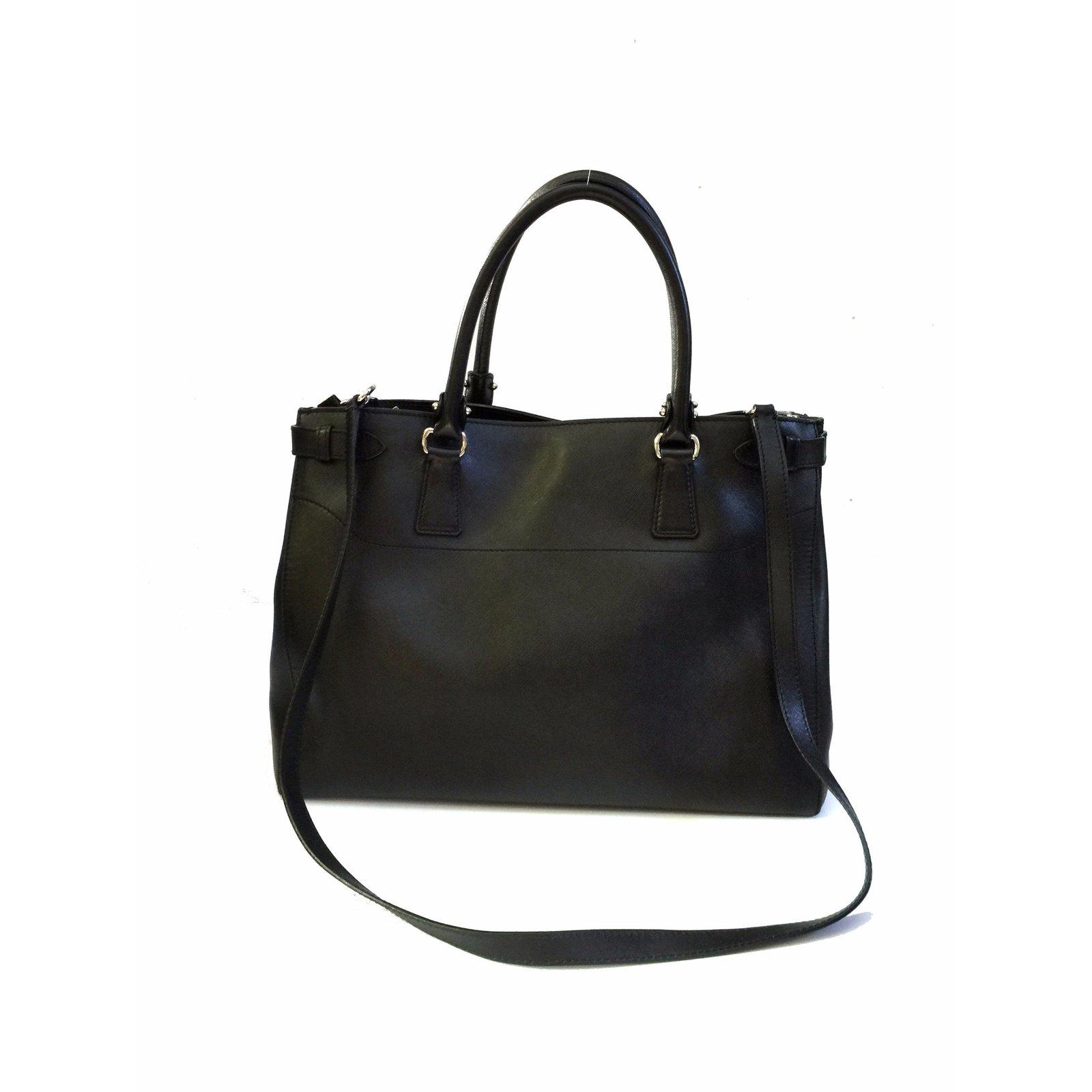 485367b4b752 Salvatore Ferragamo Batik Saffiano Tote (Large) Handbags Leather Black  ref.57152 - Joli Closet