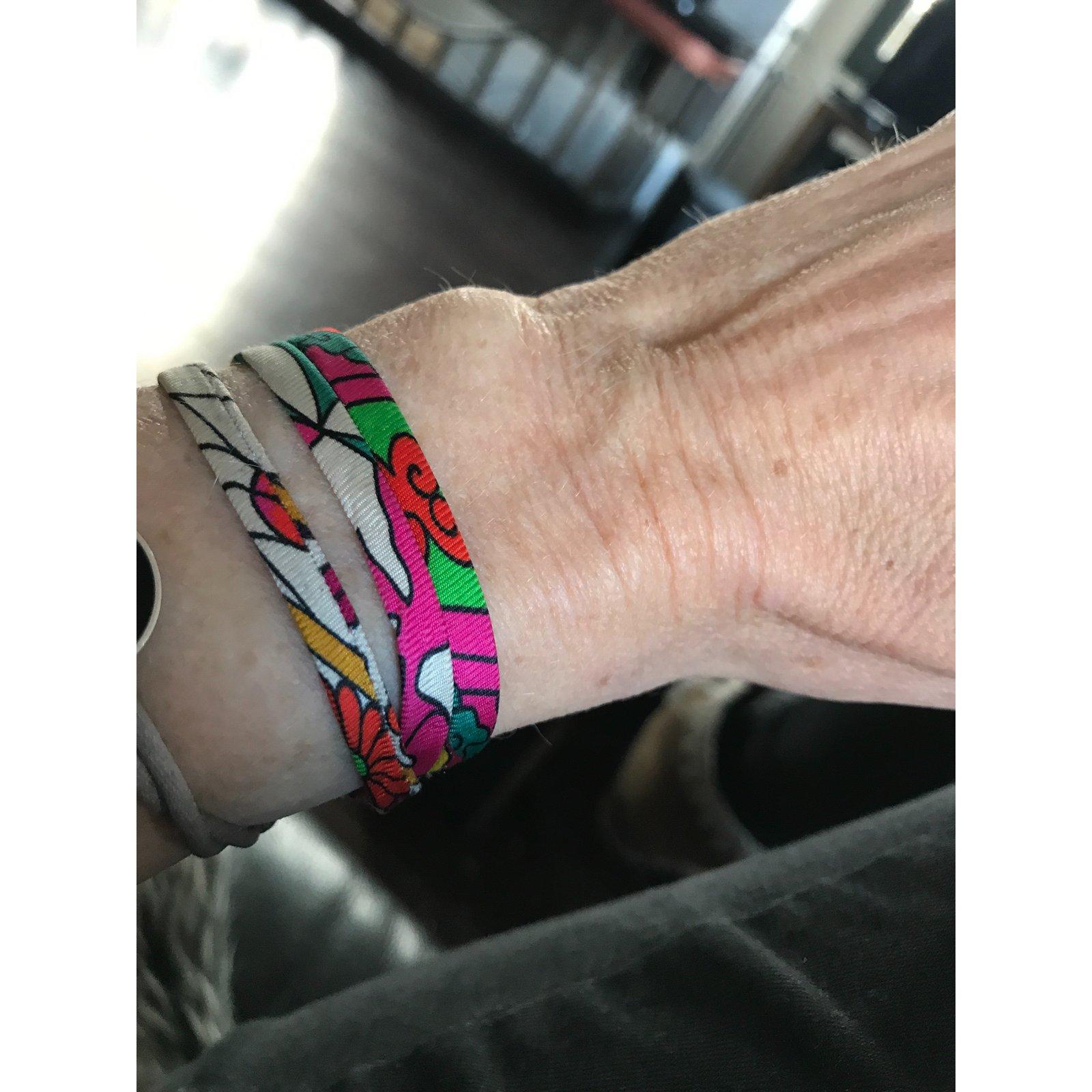 Bracelets Hermès Lien de soie Hermès Soie Autre ref.57469 - Joli Closet b1277a46f04