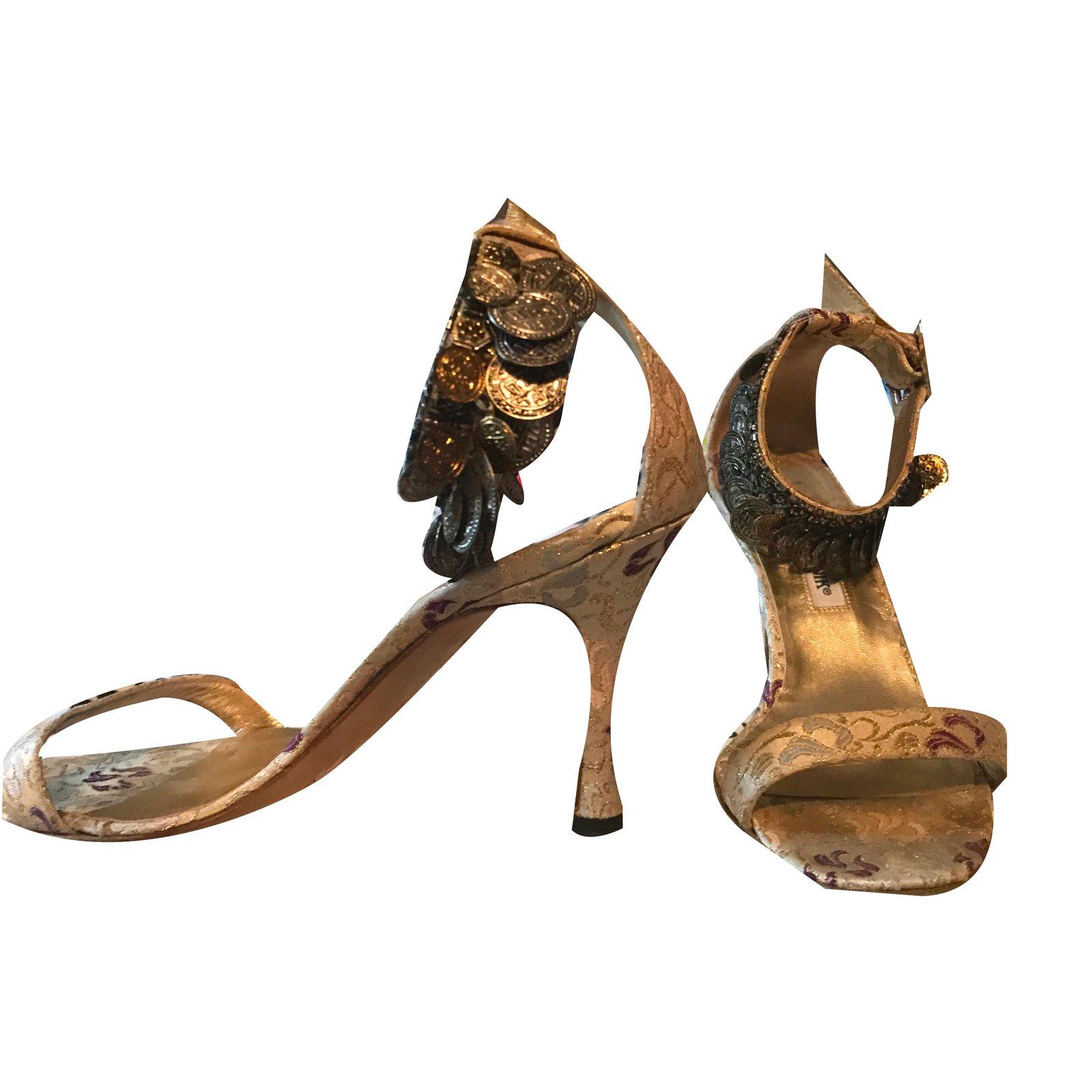 12790fd22 Manolo Blahnik Sandals Sandals Cloth Golden ref.58353 - Joli Closet
