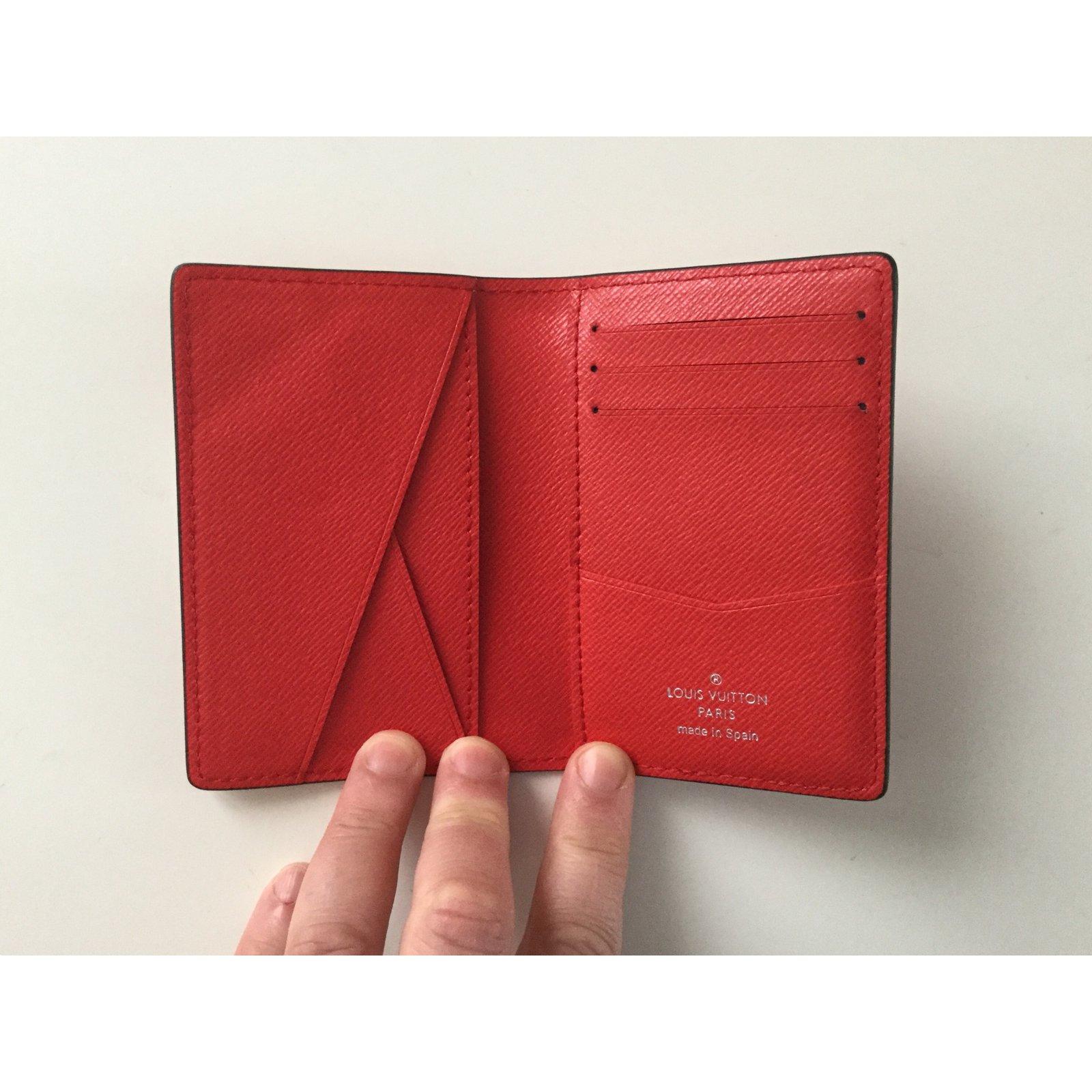 403324c856666 Portefeuille Louis Vuitton Supreme Rouge