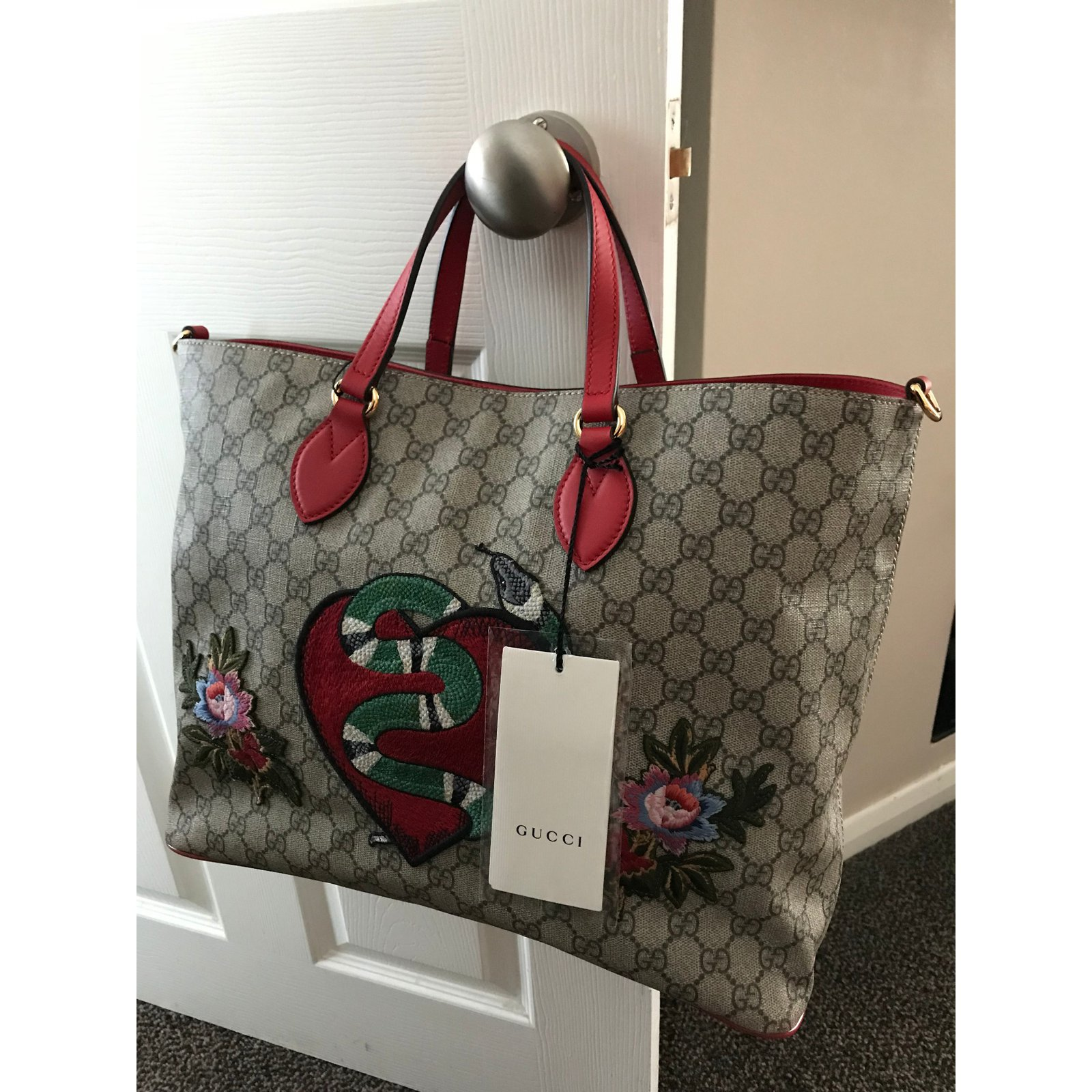 d11a7e25e6e Gucci Gucci Limited Edition Soft GG Supreme Tote Bag - Brand New with tags!  Handbags Cloth Beige ref.58453 - Joli Closet