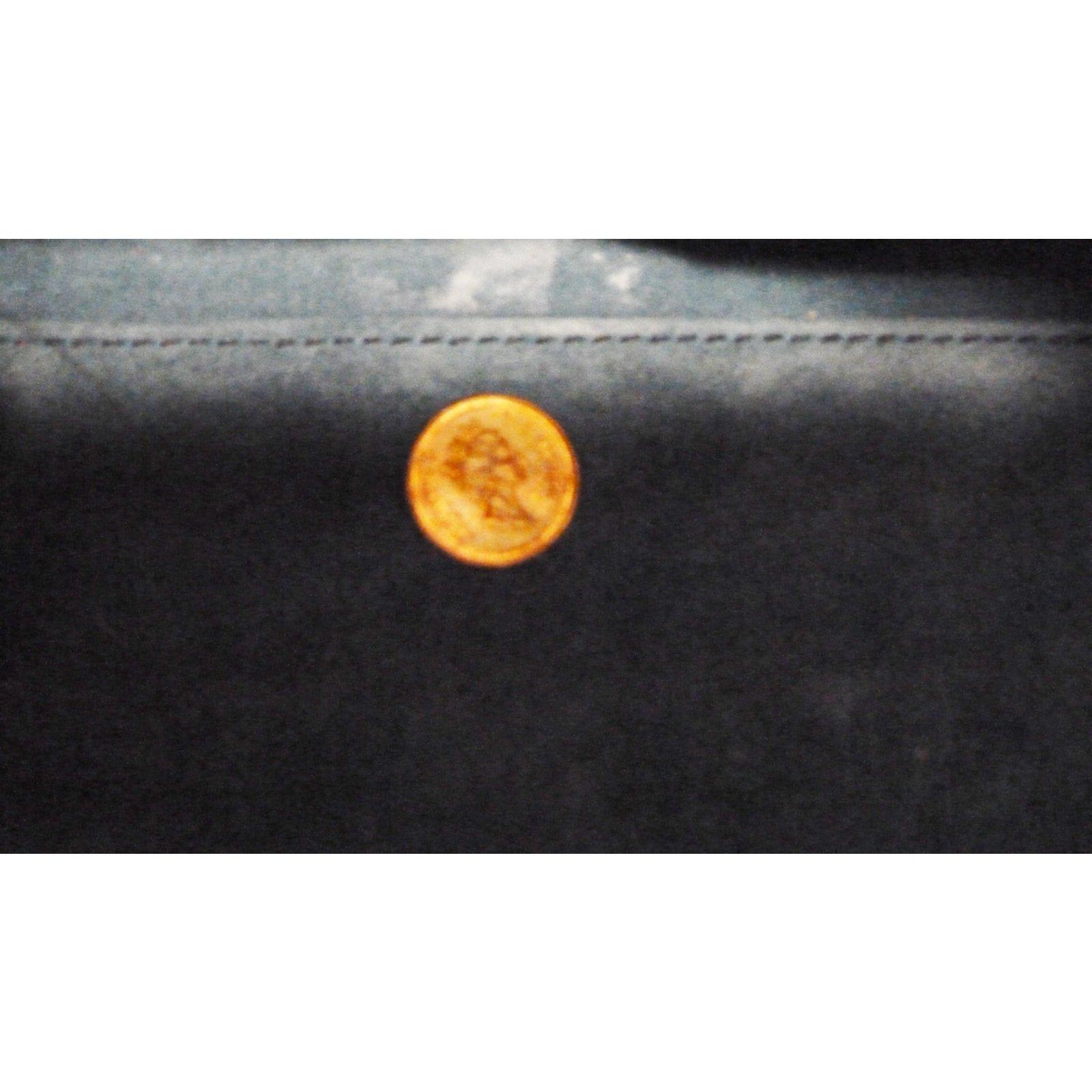 904288e807 Saint Laurent Baby Classic Sac de Jour Satchel Bag Handbags Leather Blue ref .58872 - Joli Closet