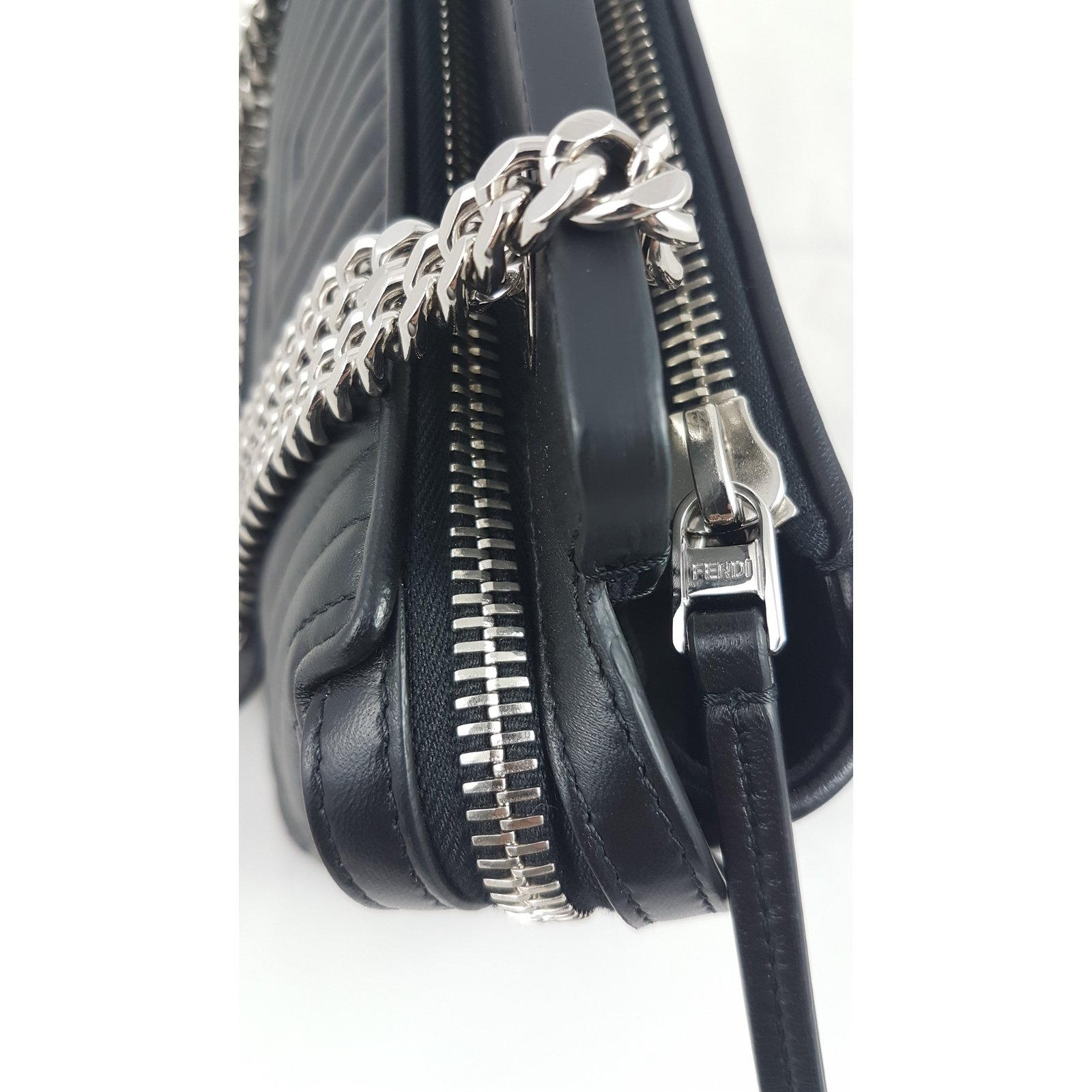365098bdf5 Fendi BLACK DOTCOM QUILTED LEATHER SMALL SHOULDER BAG Handbags Leather  Black ref.59430 - Joli Closet