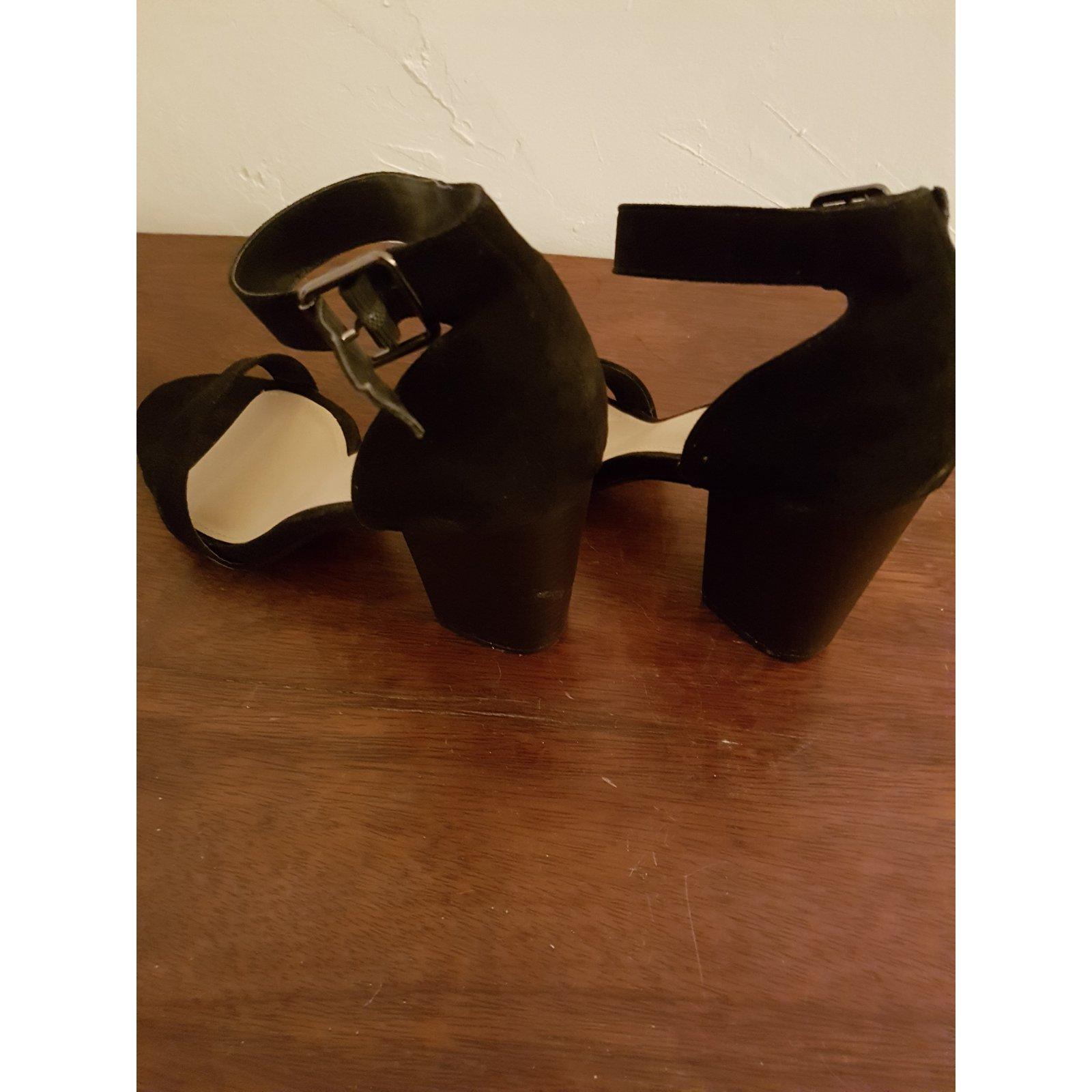 624e8303c6c3 Autre Marque Just Fab Sandals Sandals Deerskin Black ref.60255 - Joli Closet