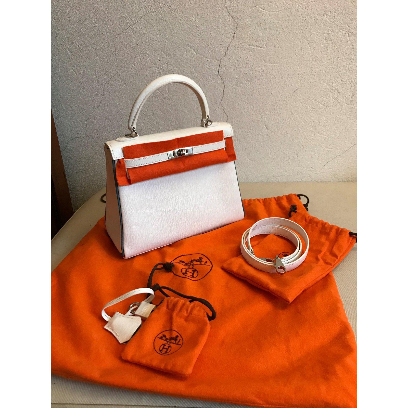 27b008bf40f7 Hermès Kelly 25 Handbags Leather White ref.61477 - Joli Closet