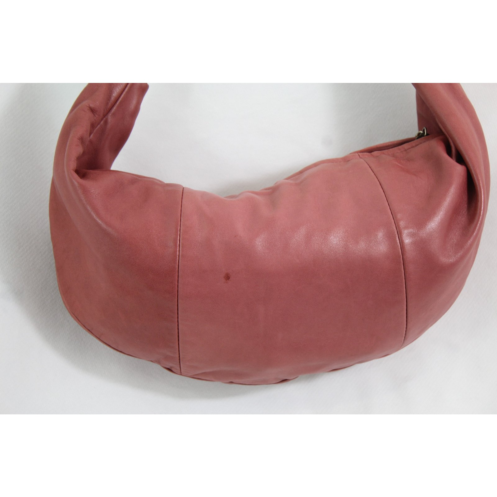 Facebook · Pin This. Chanel Handbags Handbags Leather Pink ref.61960 e788803cbce20
