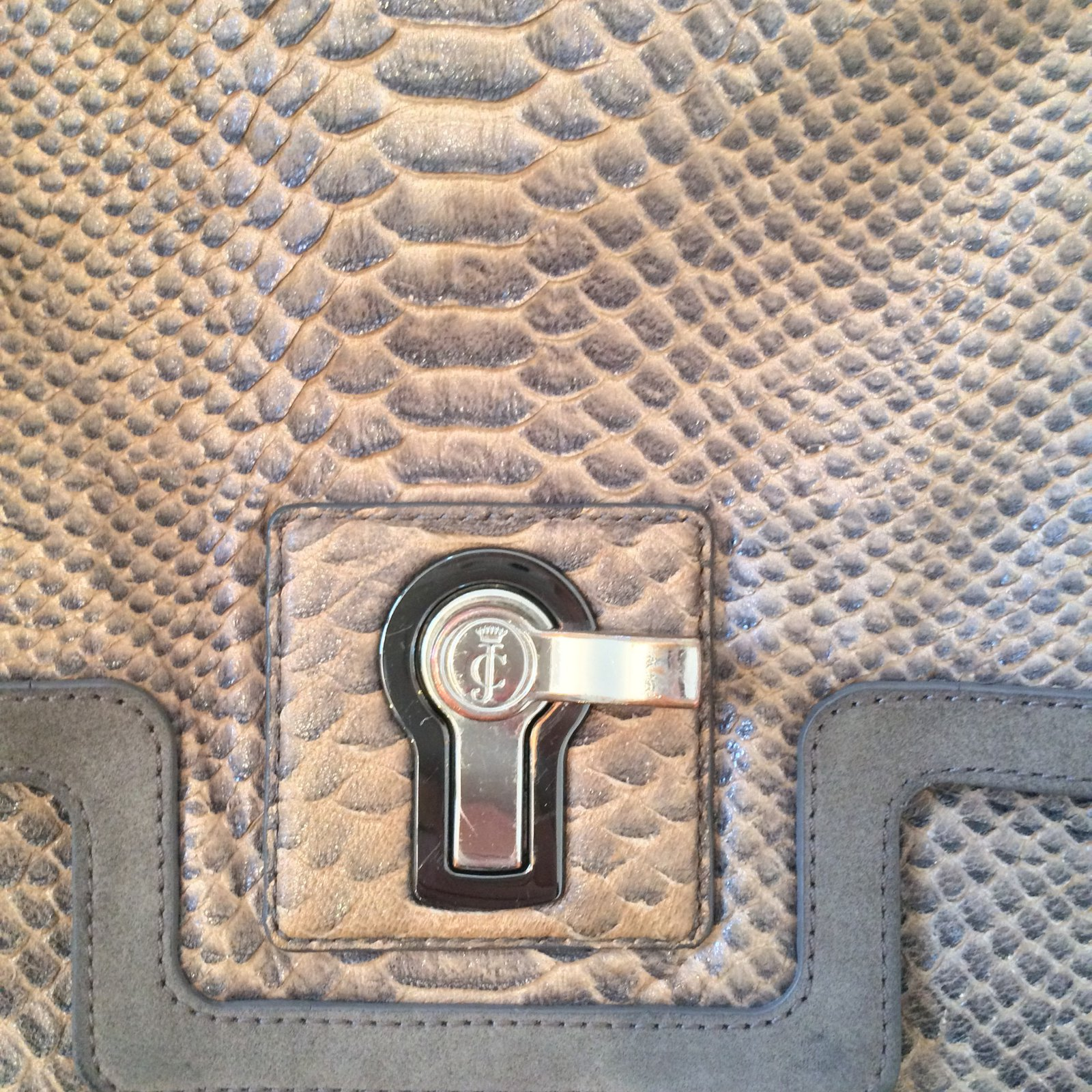 Juicy Couture Handbags Handbags Leather Dark grey ref.63963 - Joli Closet 57c32095e63a9