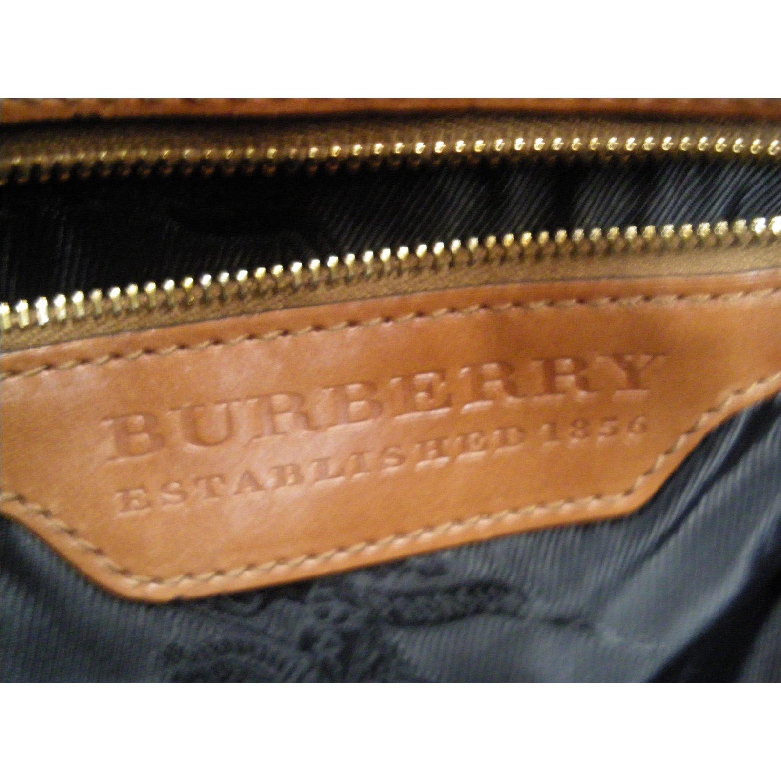 Sacs à main Burberry Sacs à main Cuir Marron ref.64275 - Joli Closet 6833cfad0b