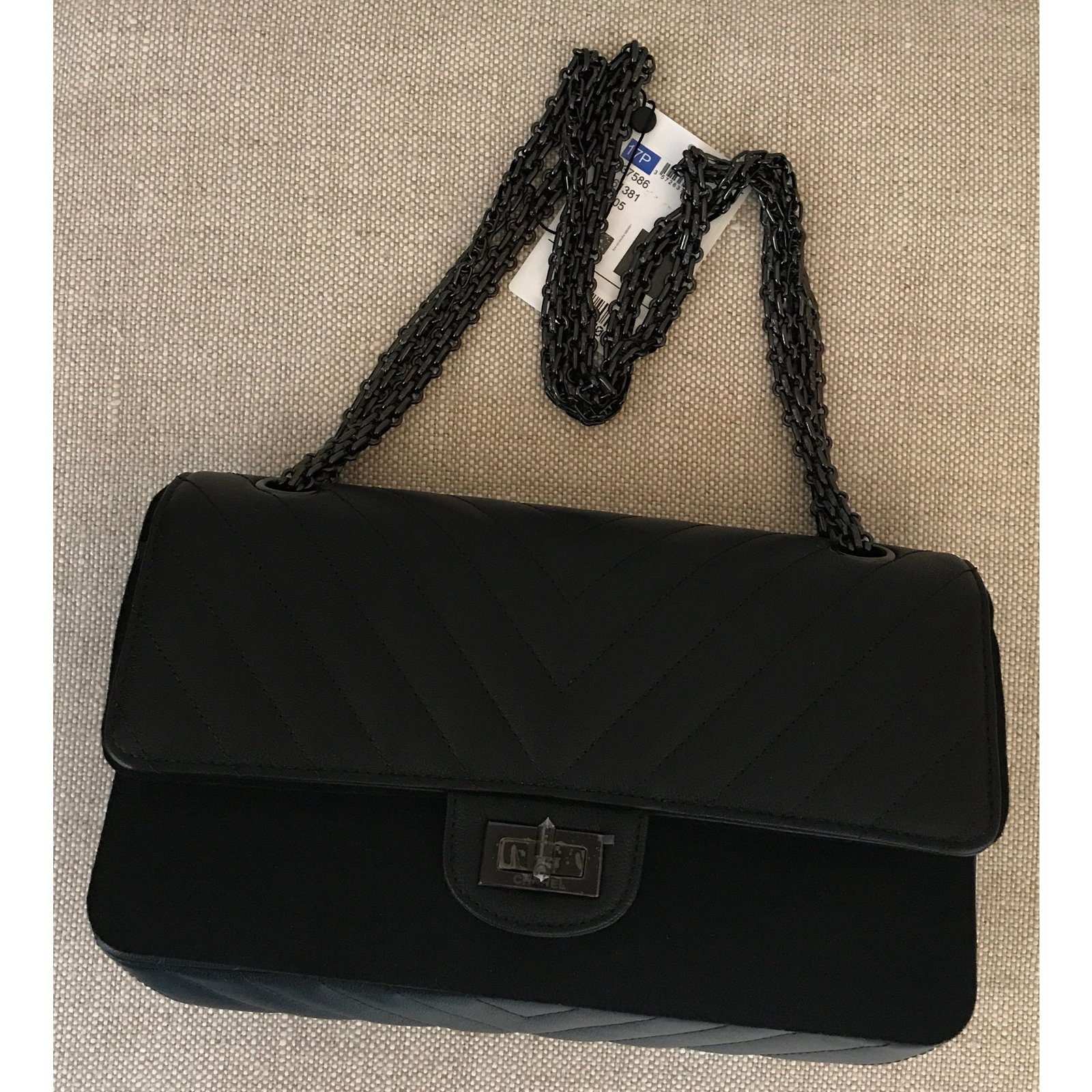 60e314e074d5 Chanel So Black Reissue Chevron 2.55 Double Flap Handbag Limited Edition  Handbags Leather Black ref.65212 - Joli Closet