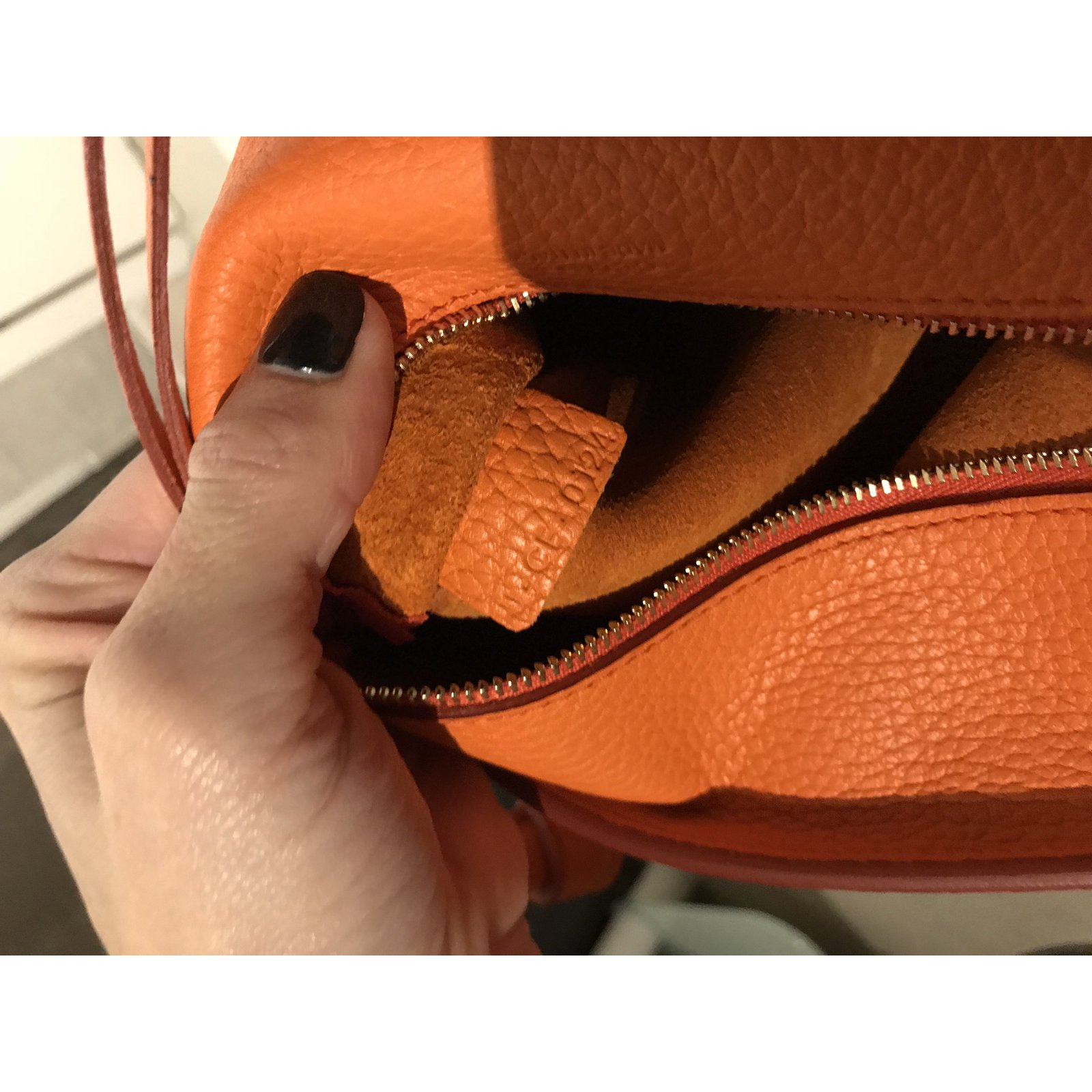 83e9d5921b0 Céline Tie Bag Handbags Leather Orange ref.66679 - Joli Closet