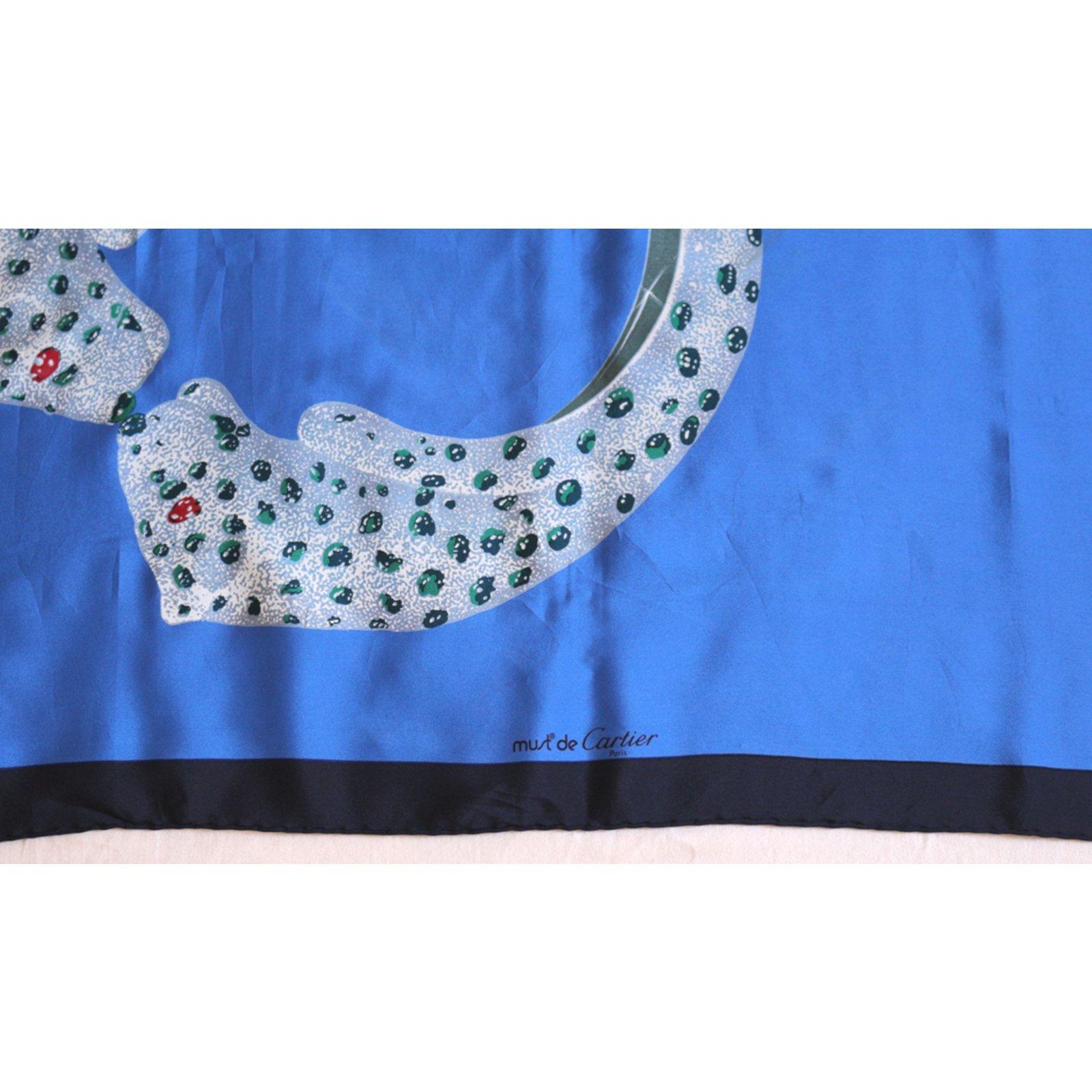 f92f69900f7 Foulards Cartier Foulard Must de Cartier Soie Bleu ref.67646 - Joli Closet