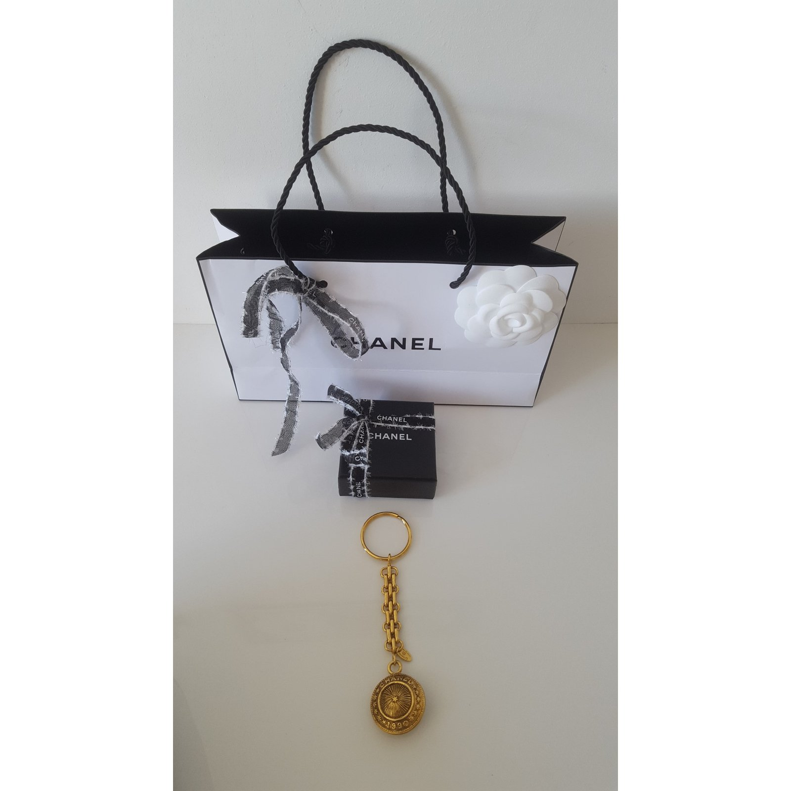 Great Chanel Vintage Keychain Bag Jewel Purses Wallets Cases Metal