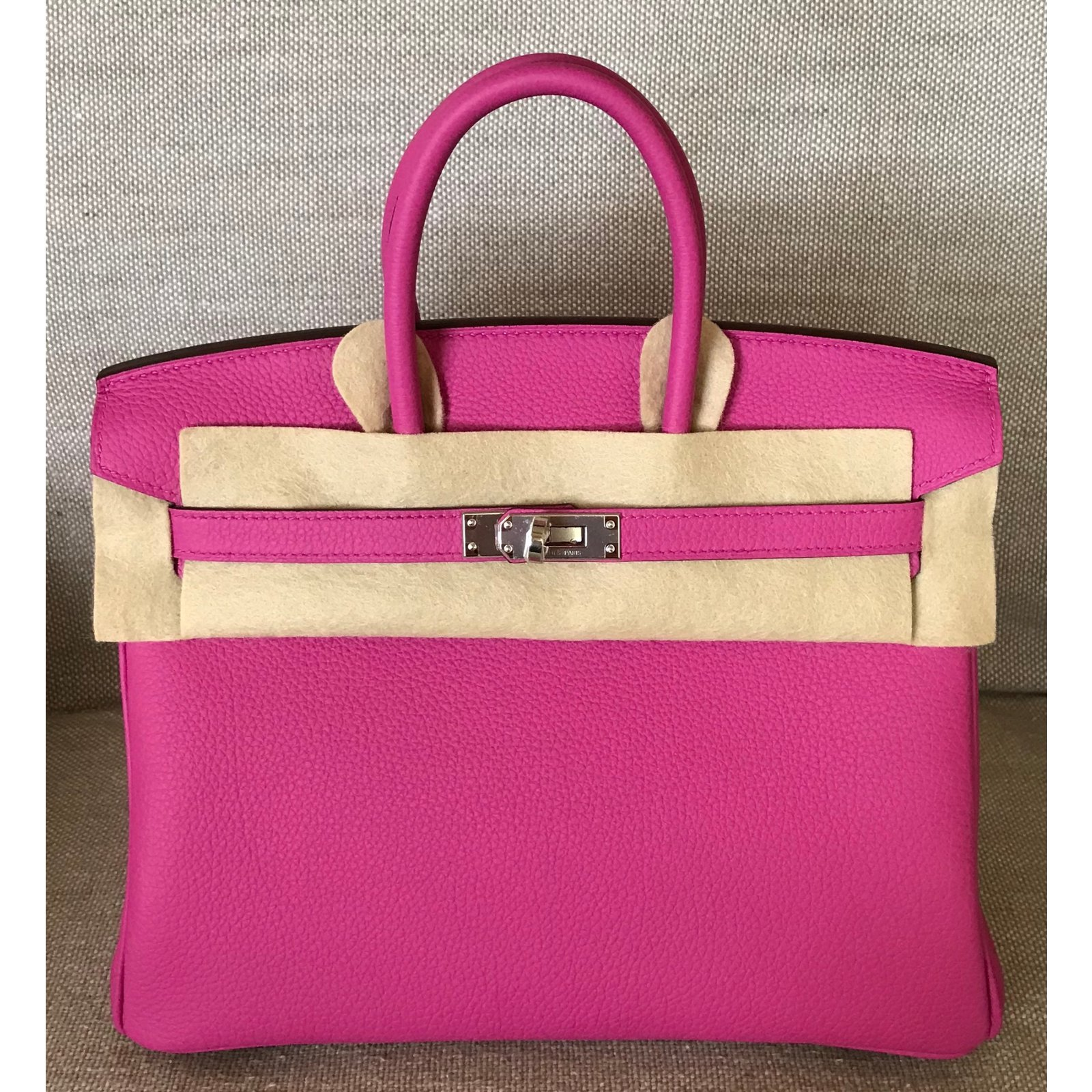 a9230d2ef36c Hermès Hermes Birkin 25CM Magnolia Togo Leather with Palladium Hardware  Totes Leather Pink ref.69114 - Joli Closet