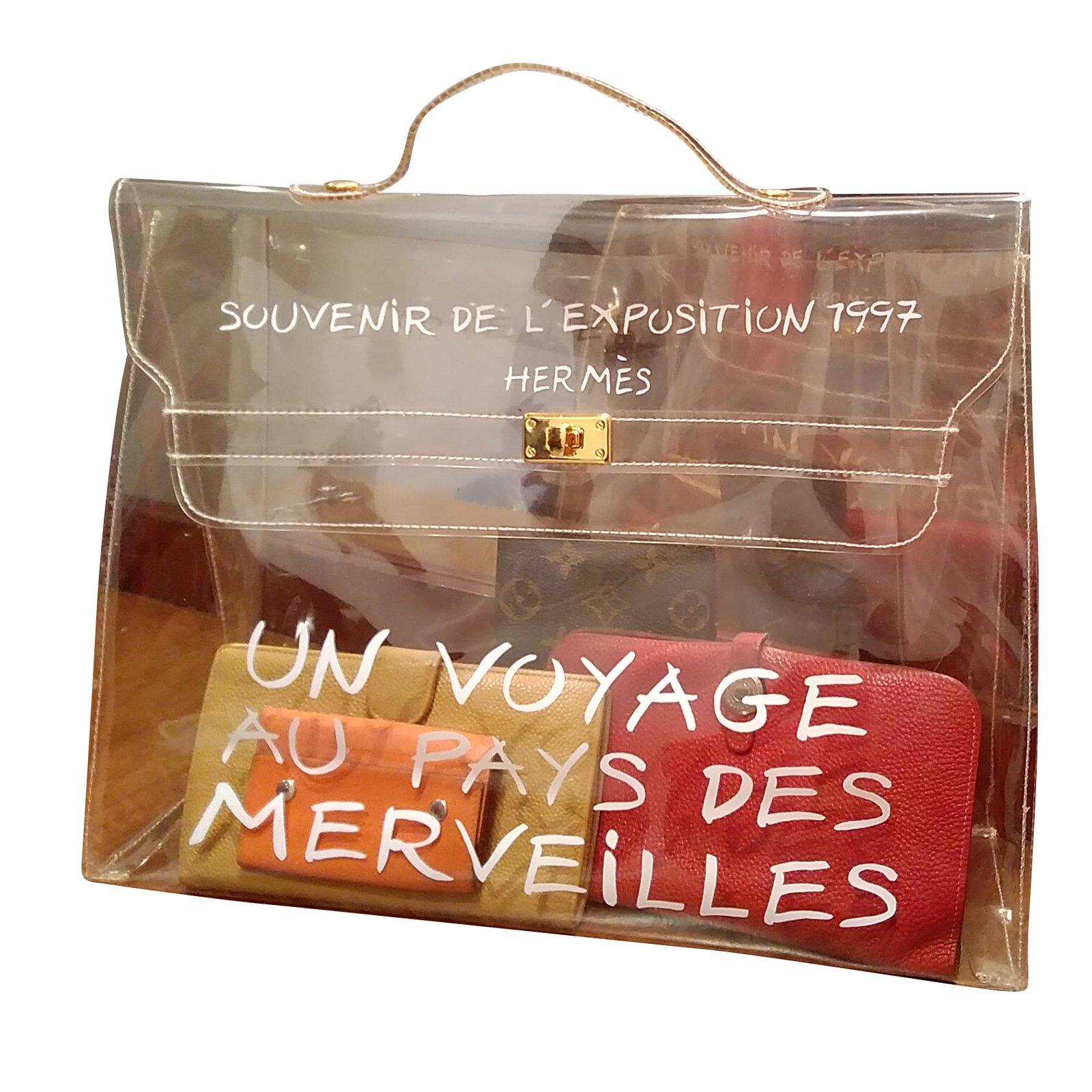 0eaf06d15e1 Hermès Kelly 40 límited vinyl bag Handbags Plastic White ref.69225 - Joli  Closet